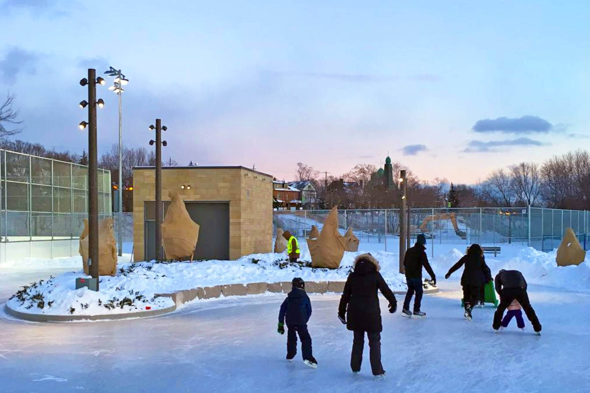 10 fun things to do outdoors in Toronto this winter