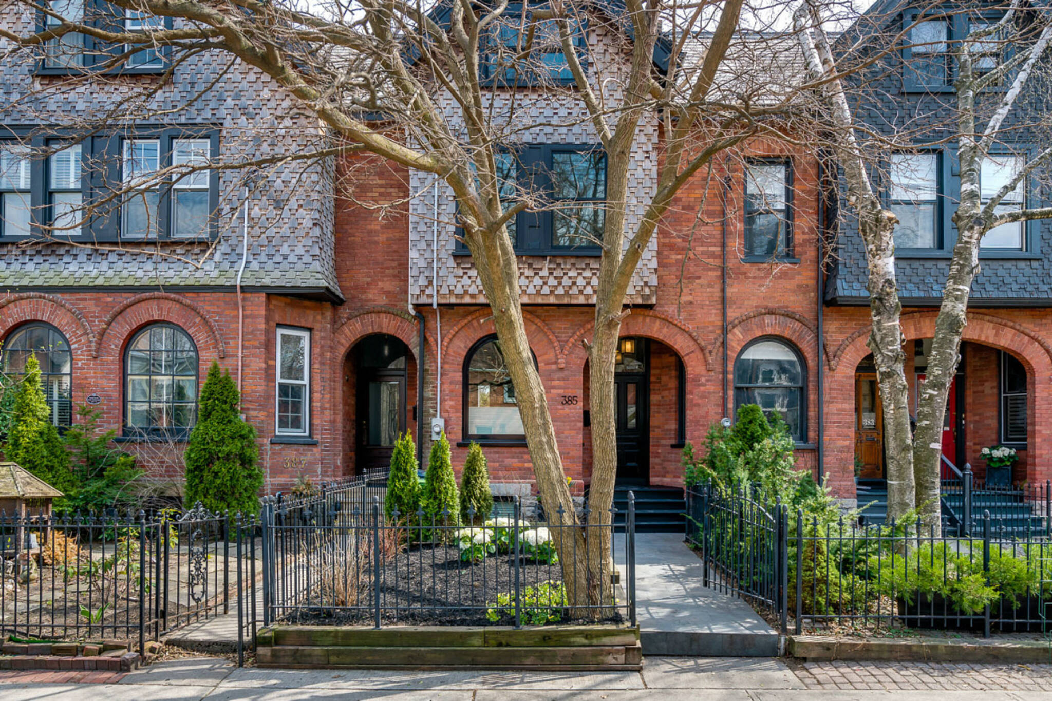 385 Wellesley Street toronto