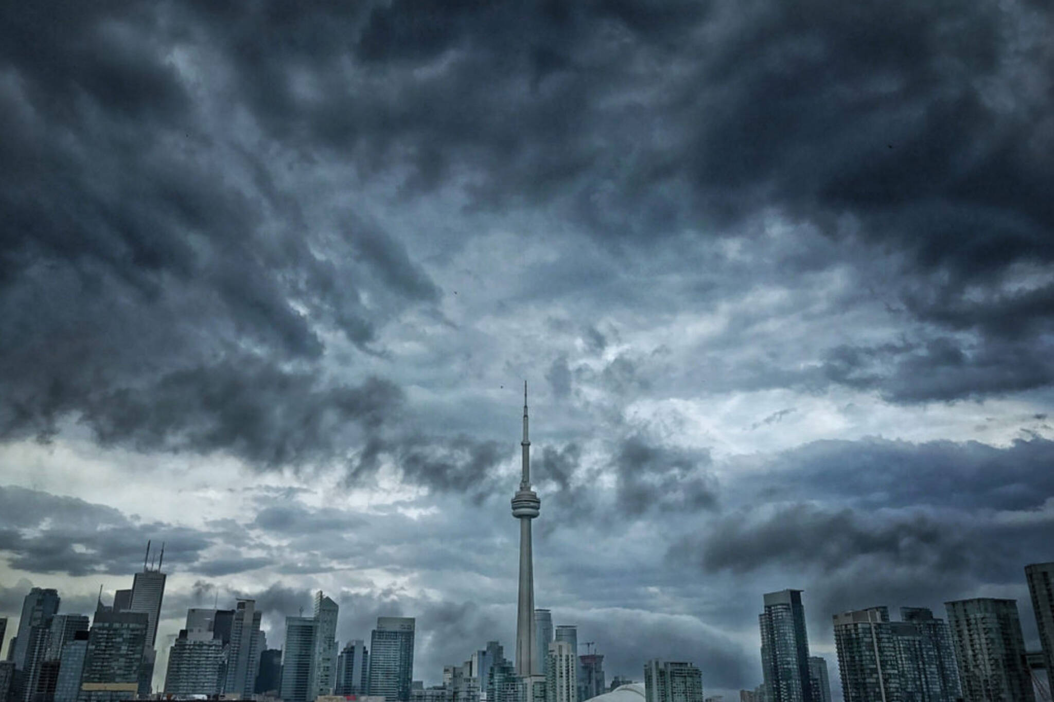 current weather in toronto