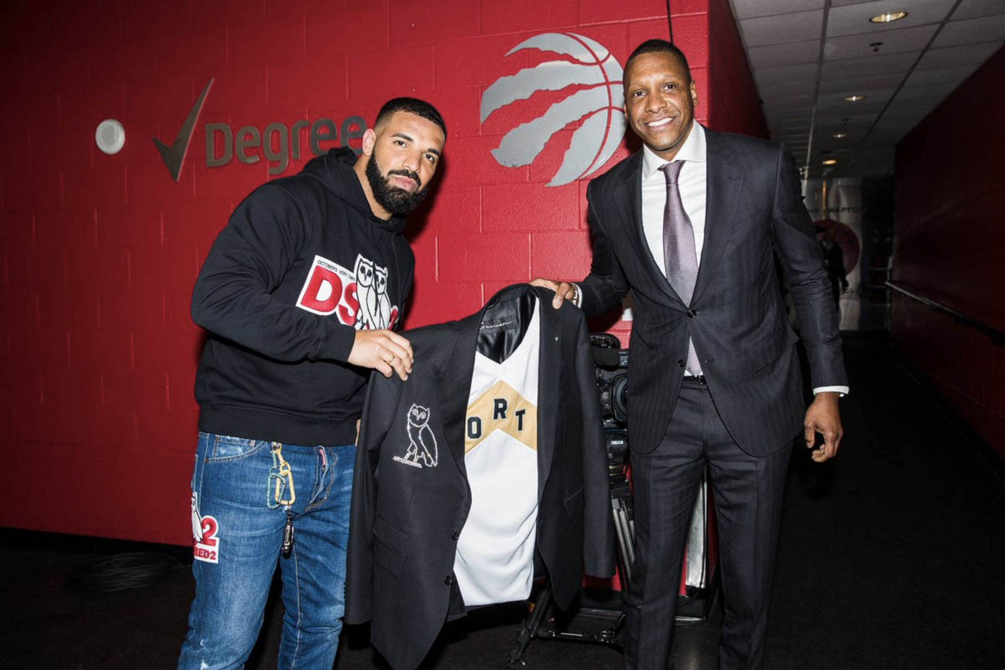 431c36272 Drake was just gifted a  739K diamond Raptors jacket
