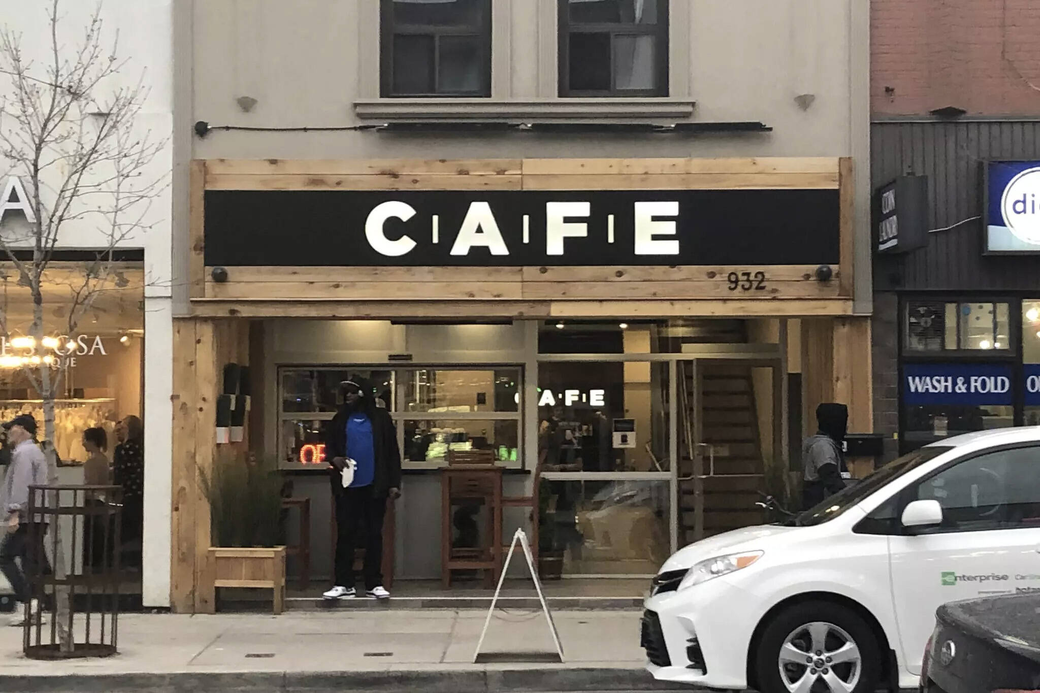 cafe cannabis toronto