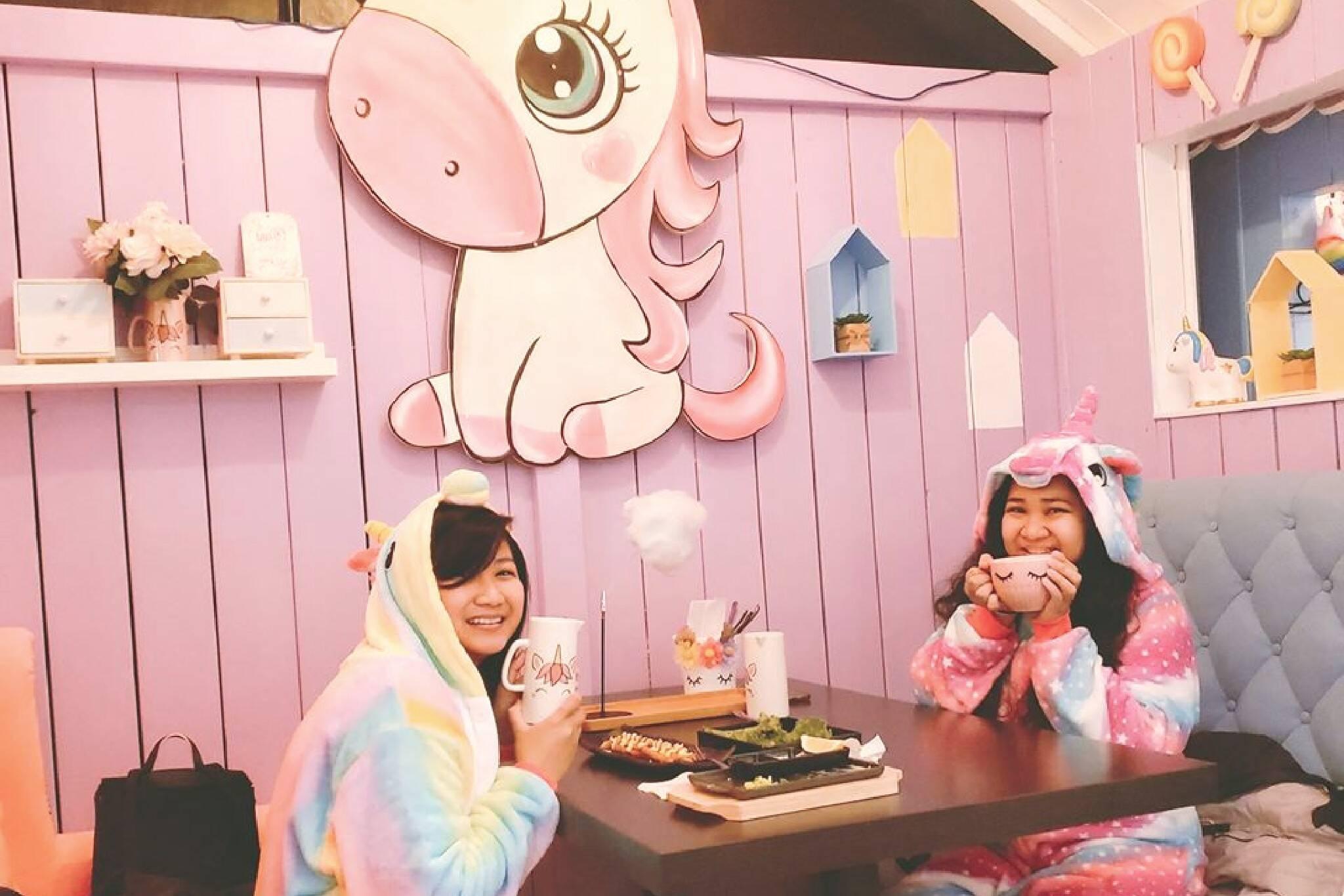 unicorn cafe toronto