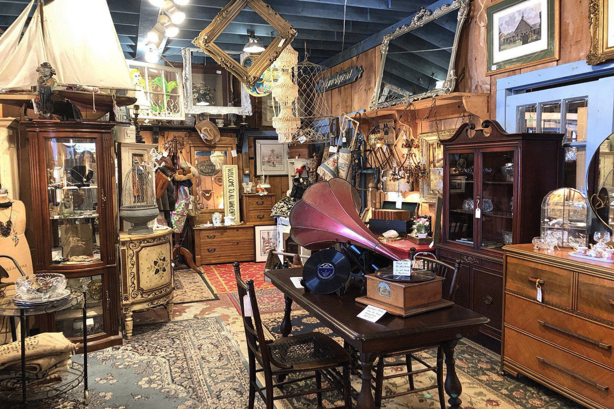 antiques on 48