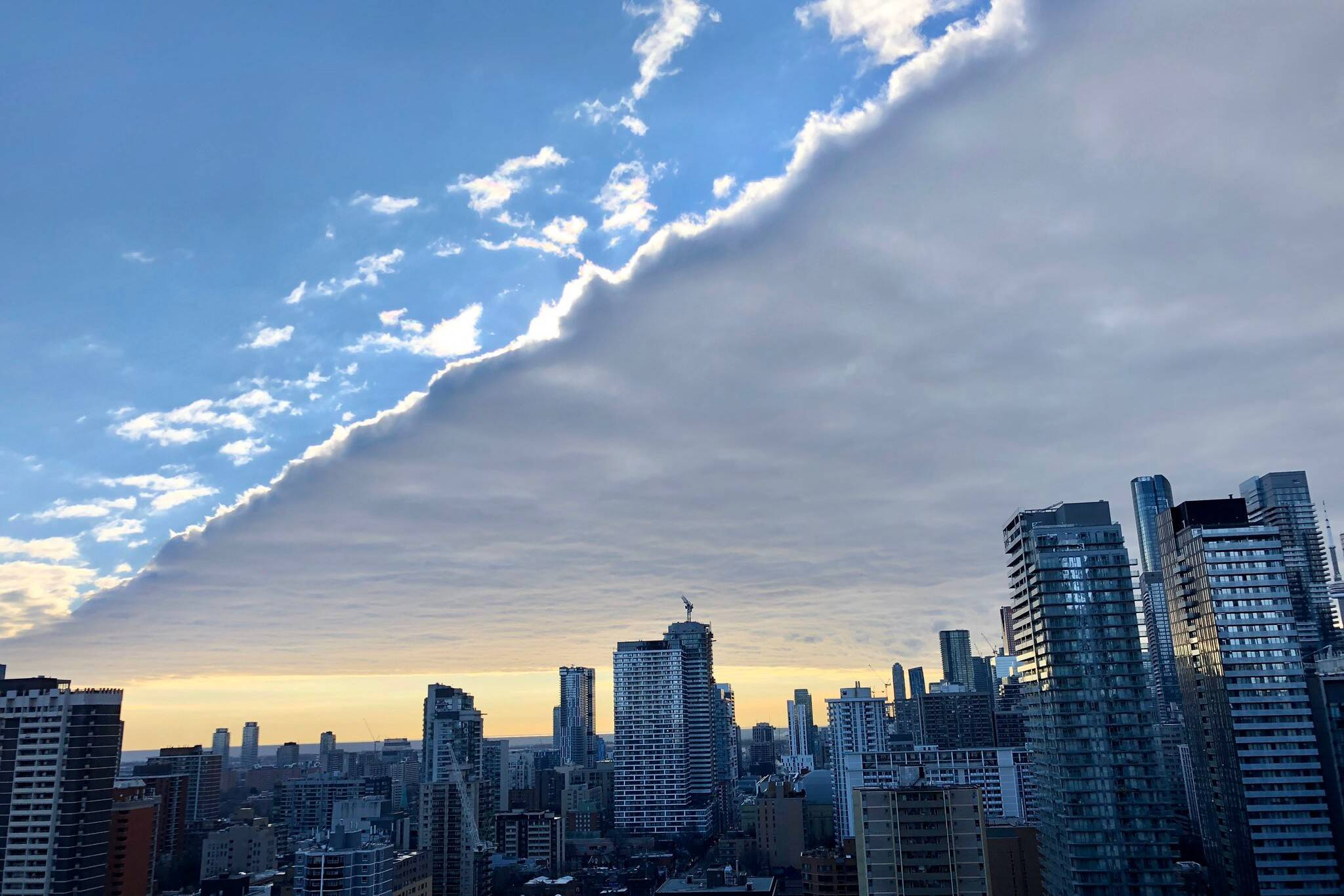 weird cloud toronto