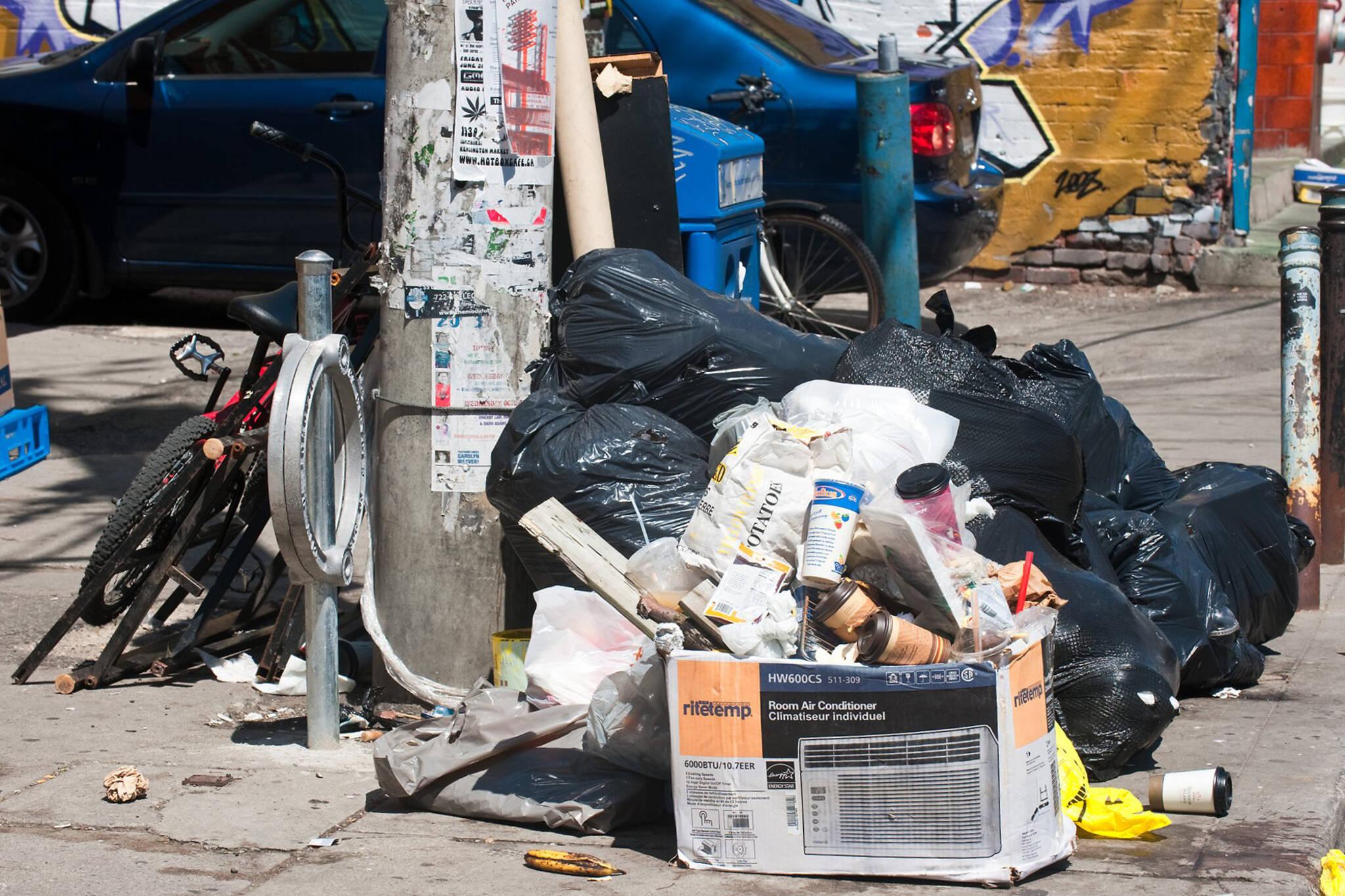 garbage strike toronto