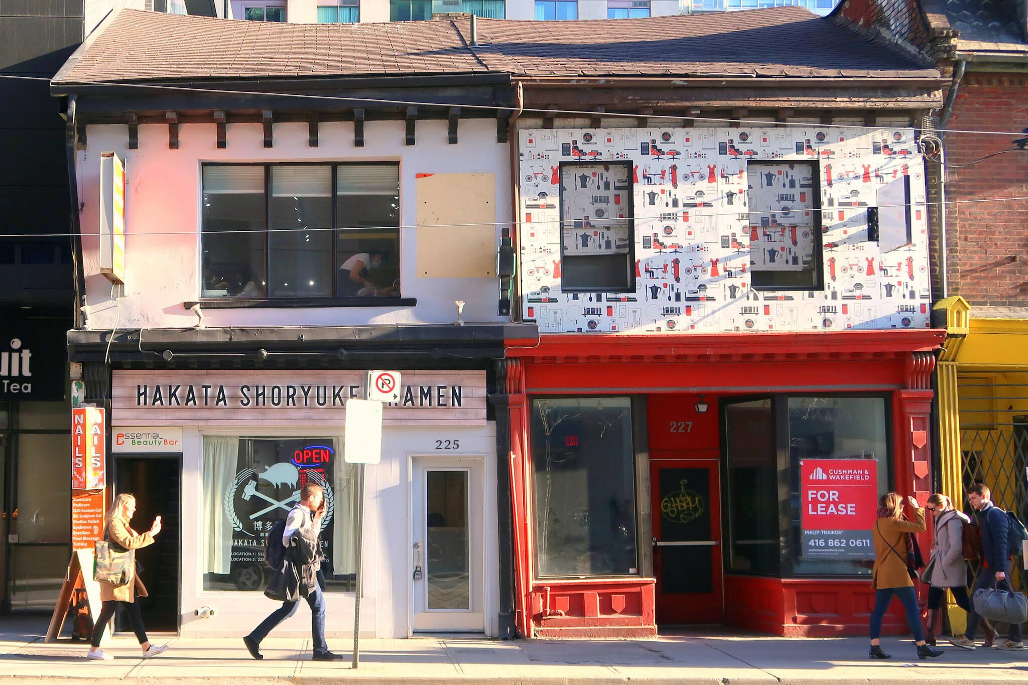 vacant stores toronto