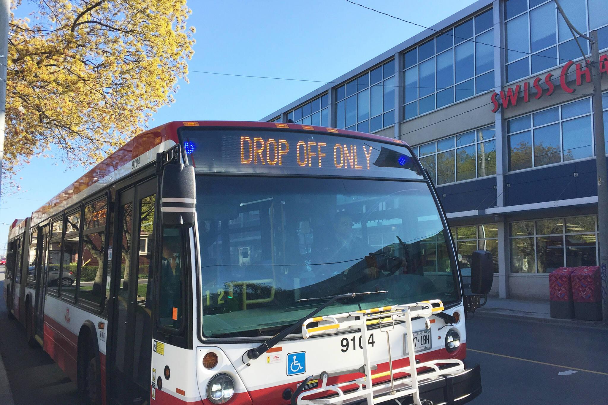 toronto bus lanes