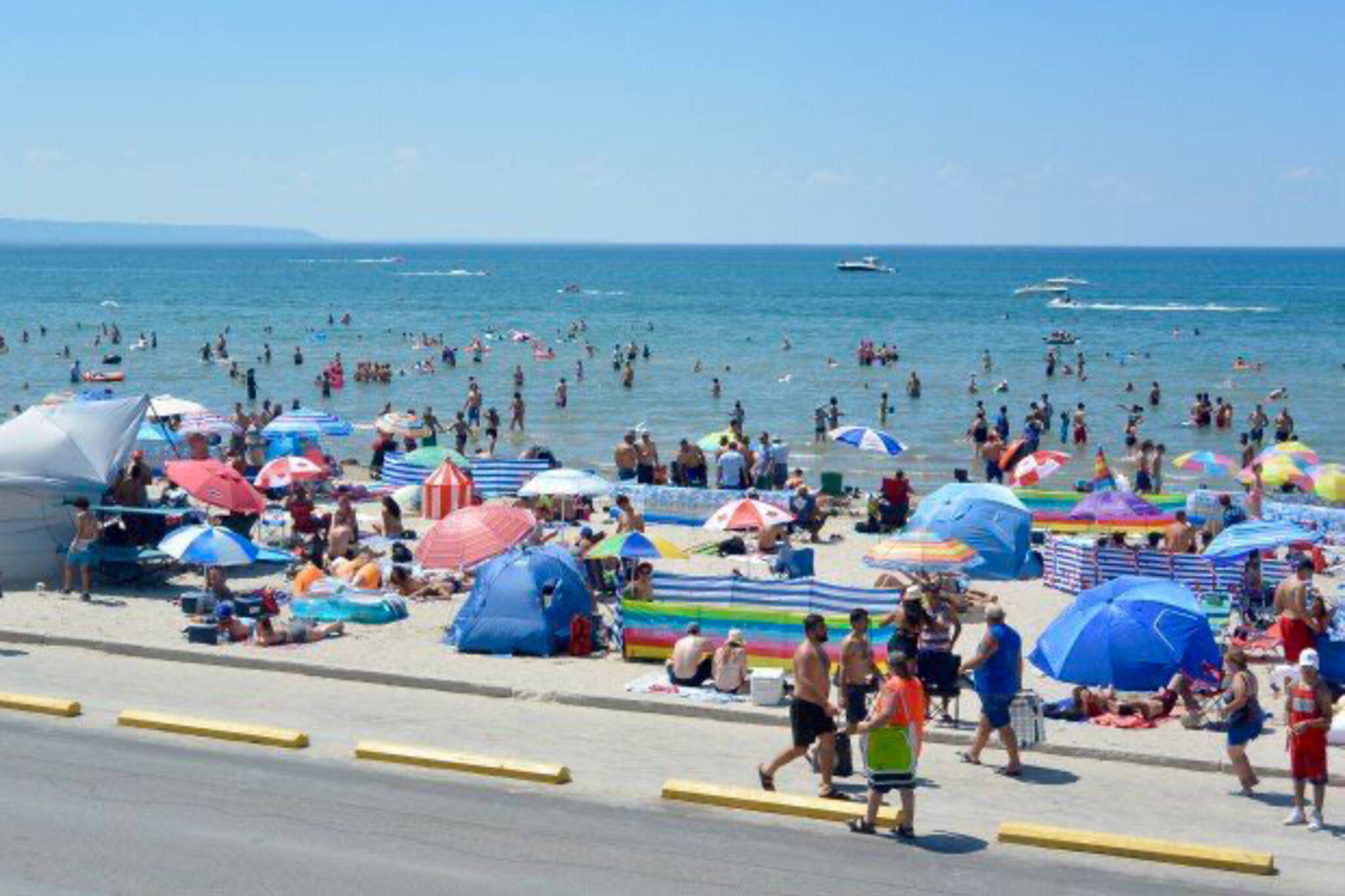wasaga beach closed