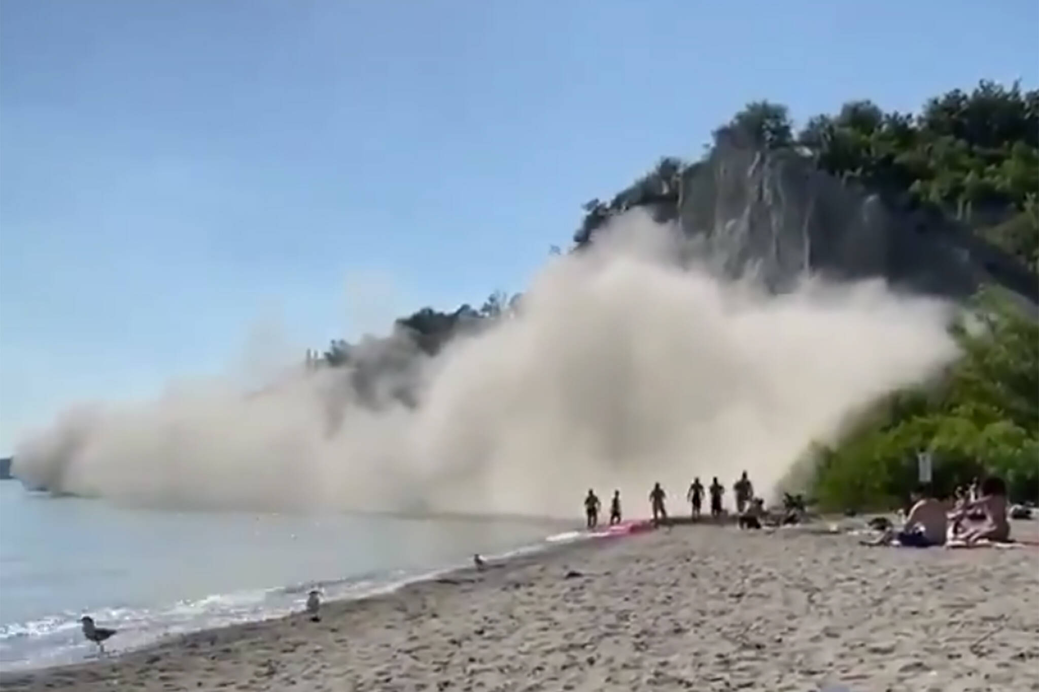 scarborough bluffs collapse