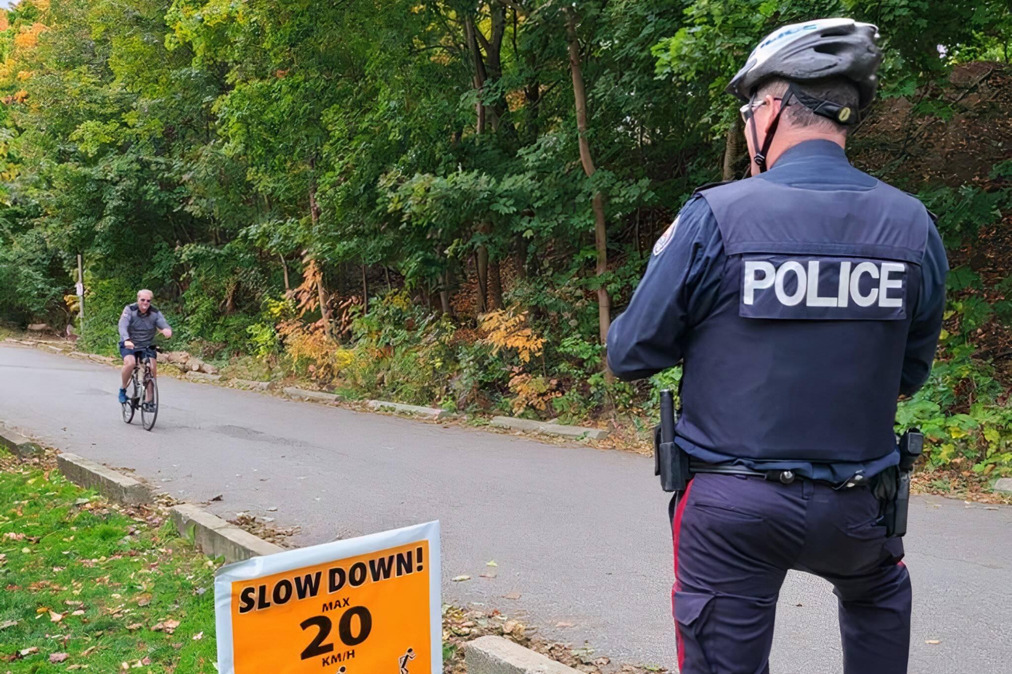 toronto police cyclists