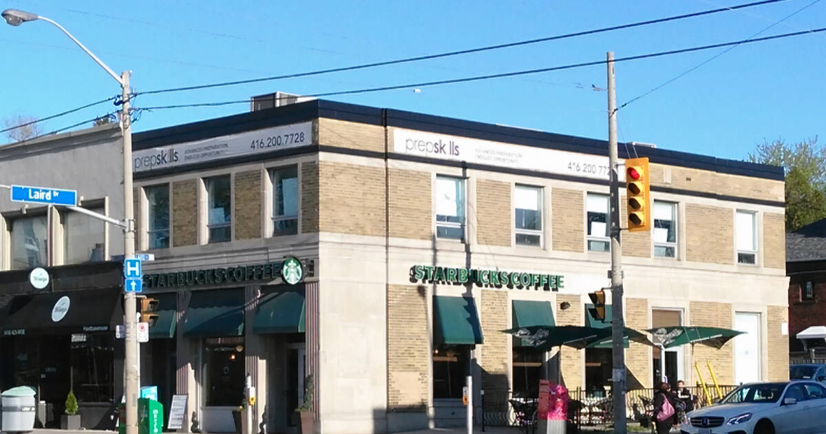 Closing of Starbucks in Toronto has locals worrying about the future of the economy