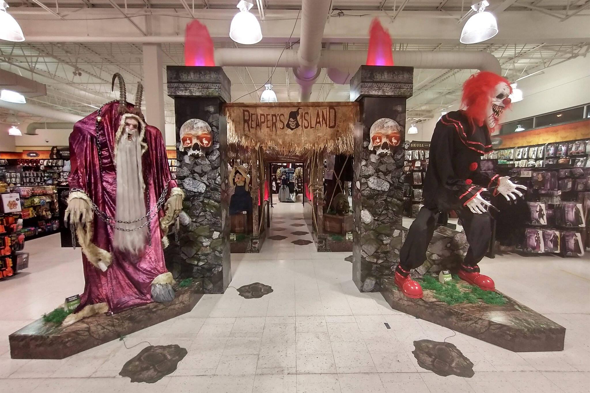 halloween stores toronto