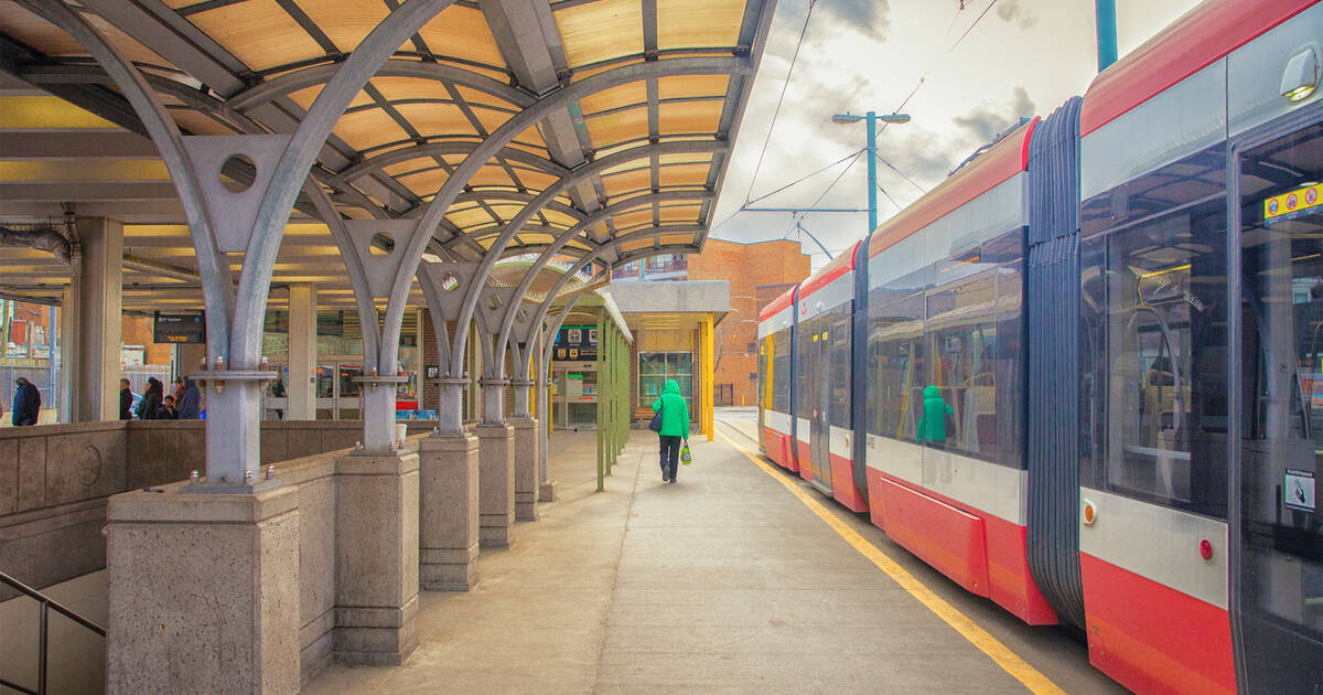 これらは、2021年に建設の影響を受けるトロントの路面電車のルートです