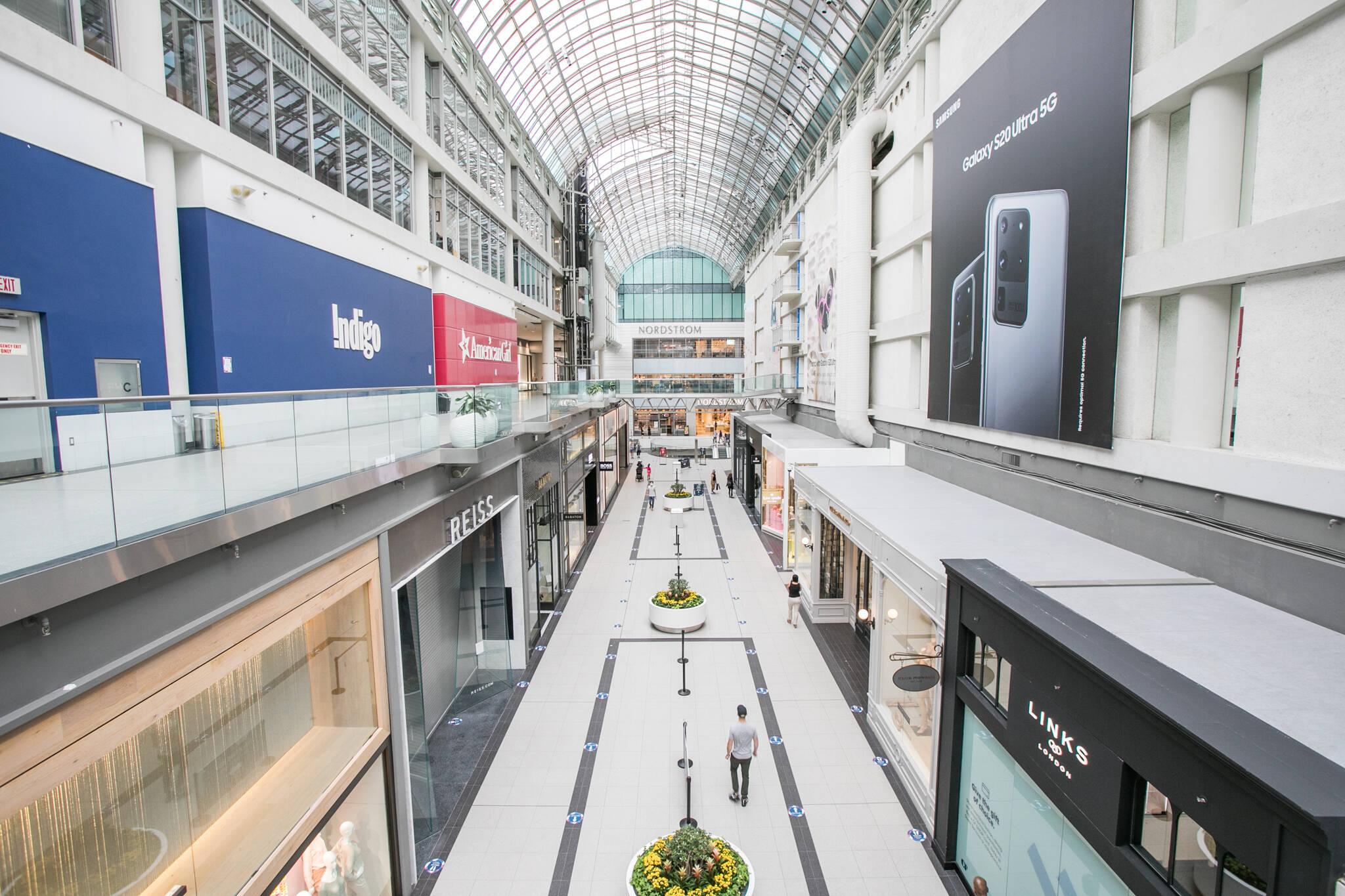 malls open toronto