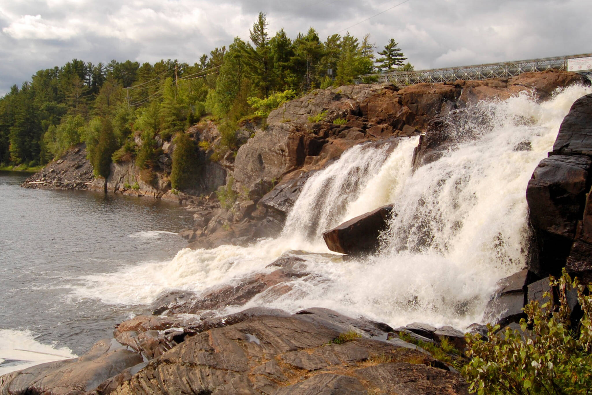high falls bracebridge