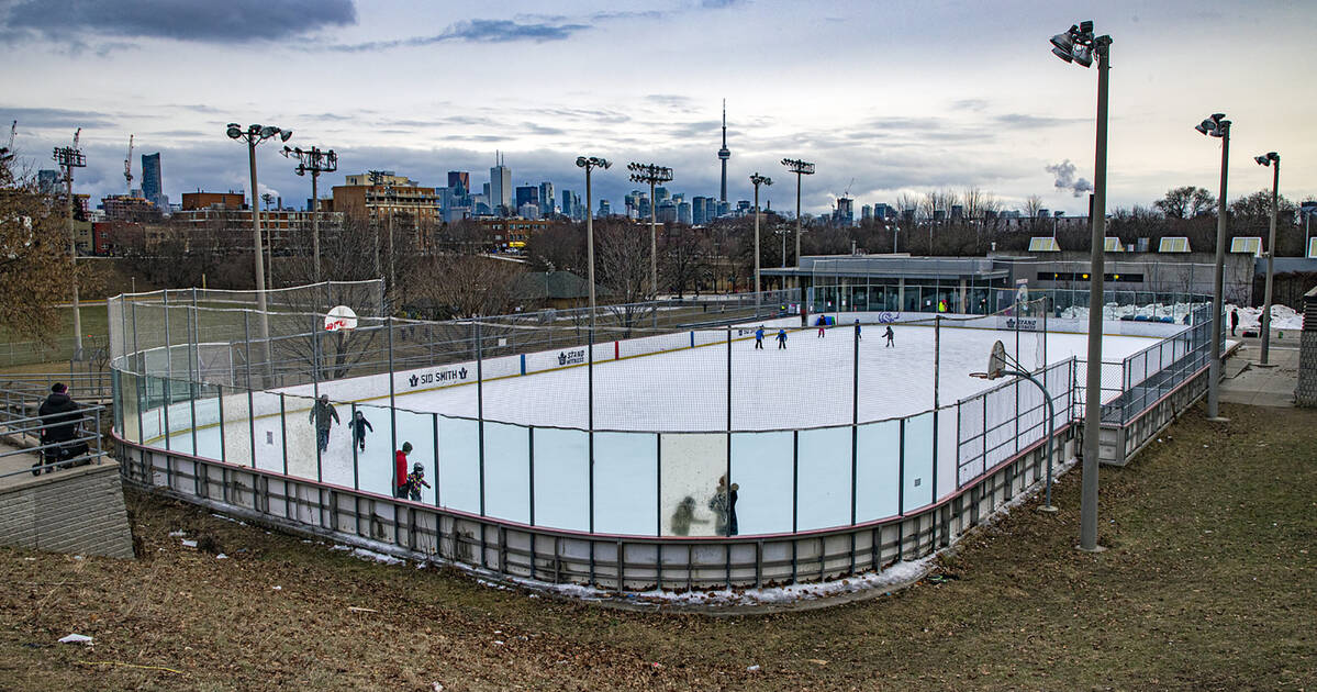 Toronto bans out-of-towners from using outdoor skating rinks