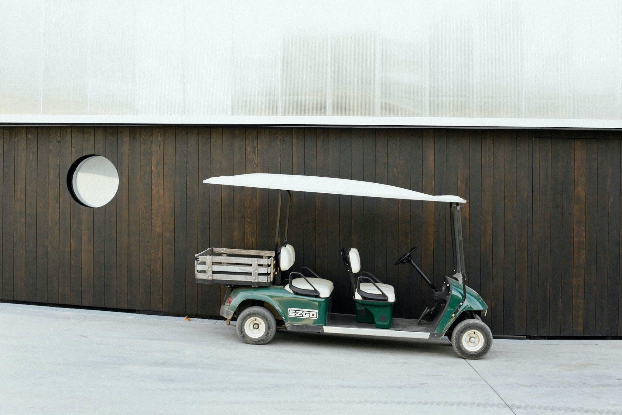golf cart on qew