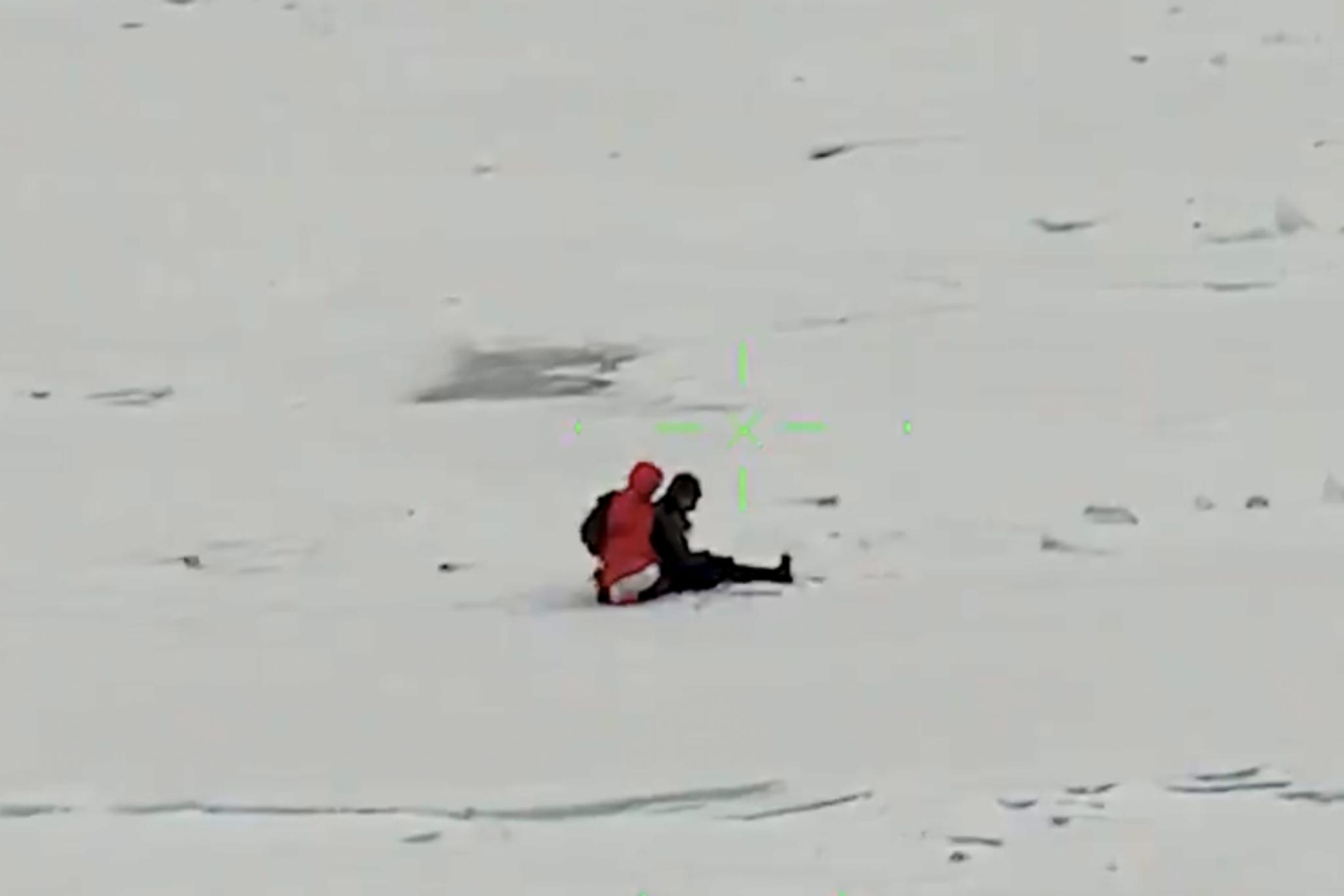 ontario hikers ice floe