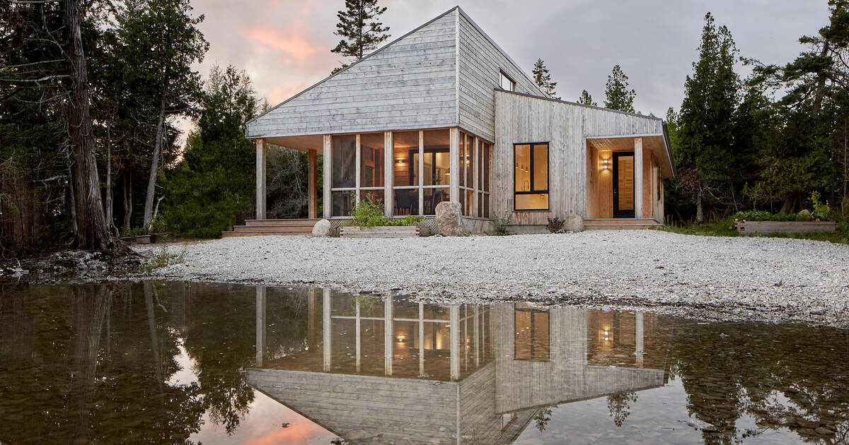 This is what a luxurious off-grid home looks like in Ontario