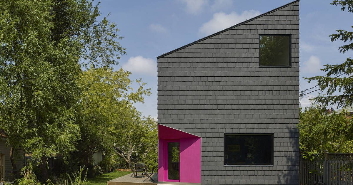 This minimalist home in Toronto comes with a hot pink doorway