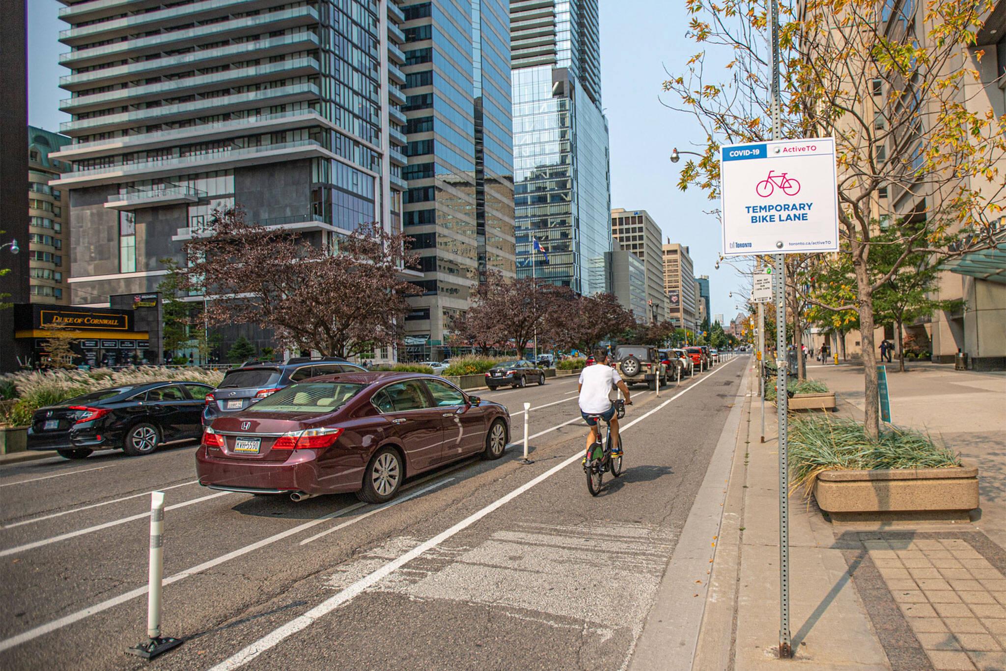 bike lanes toronto