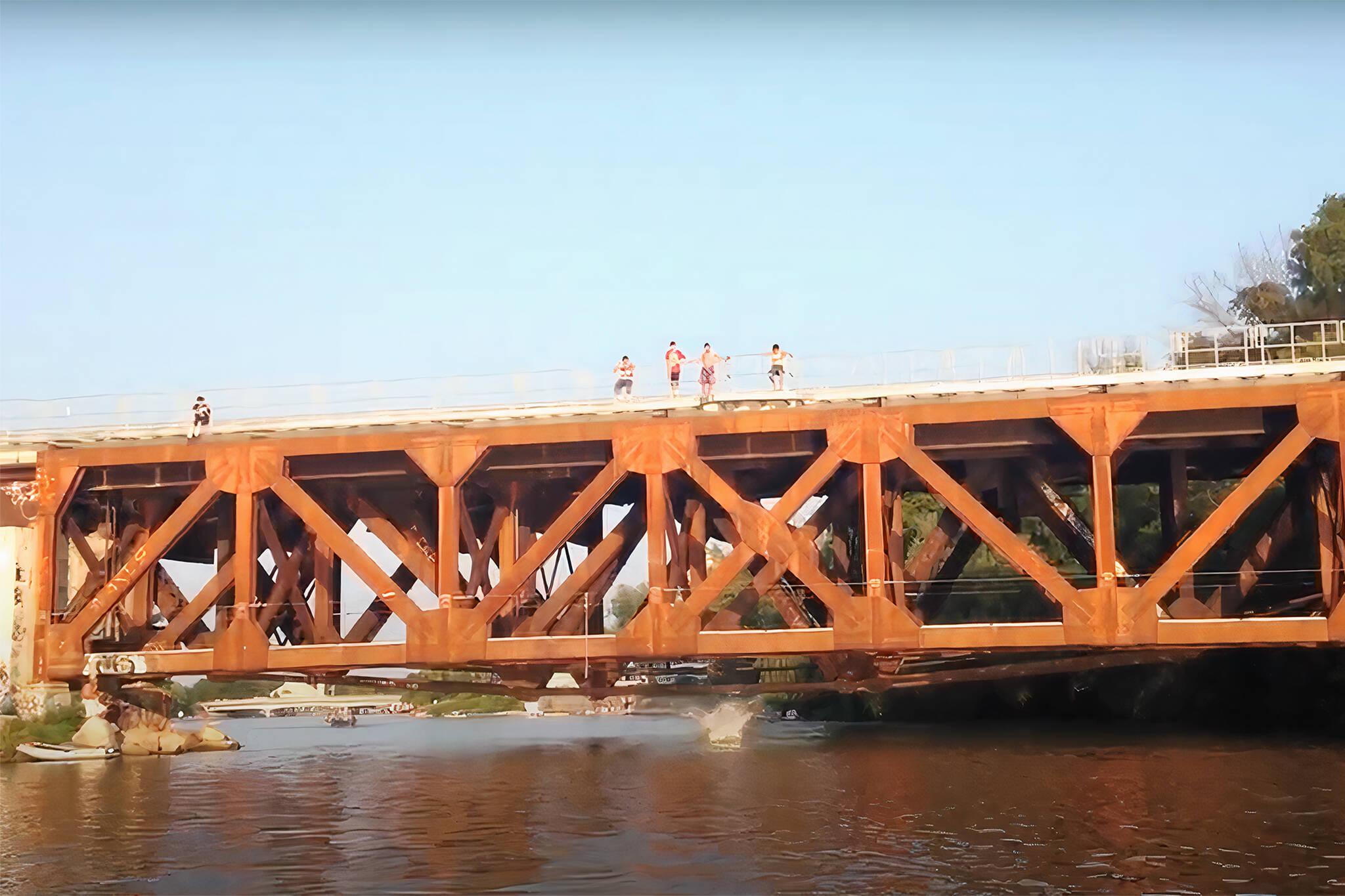 metrolinx rail bridge