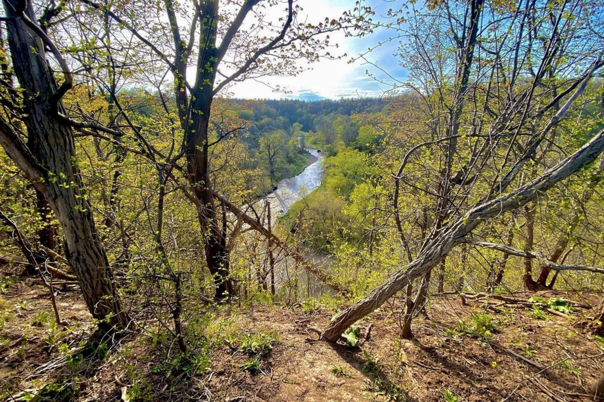 hiking trails oakville