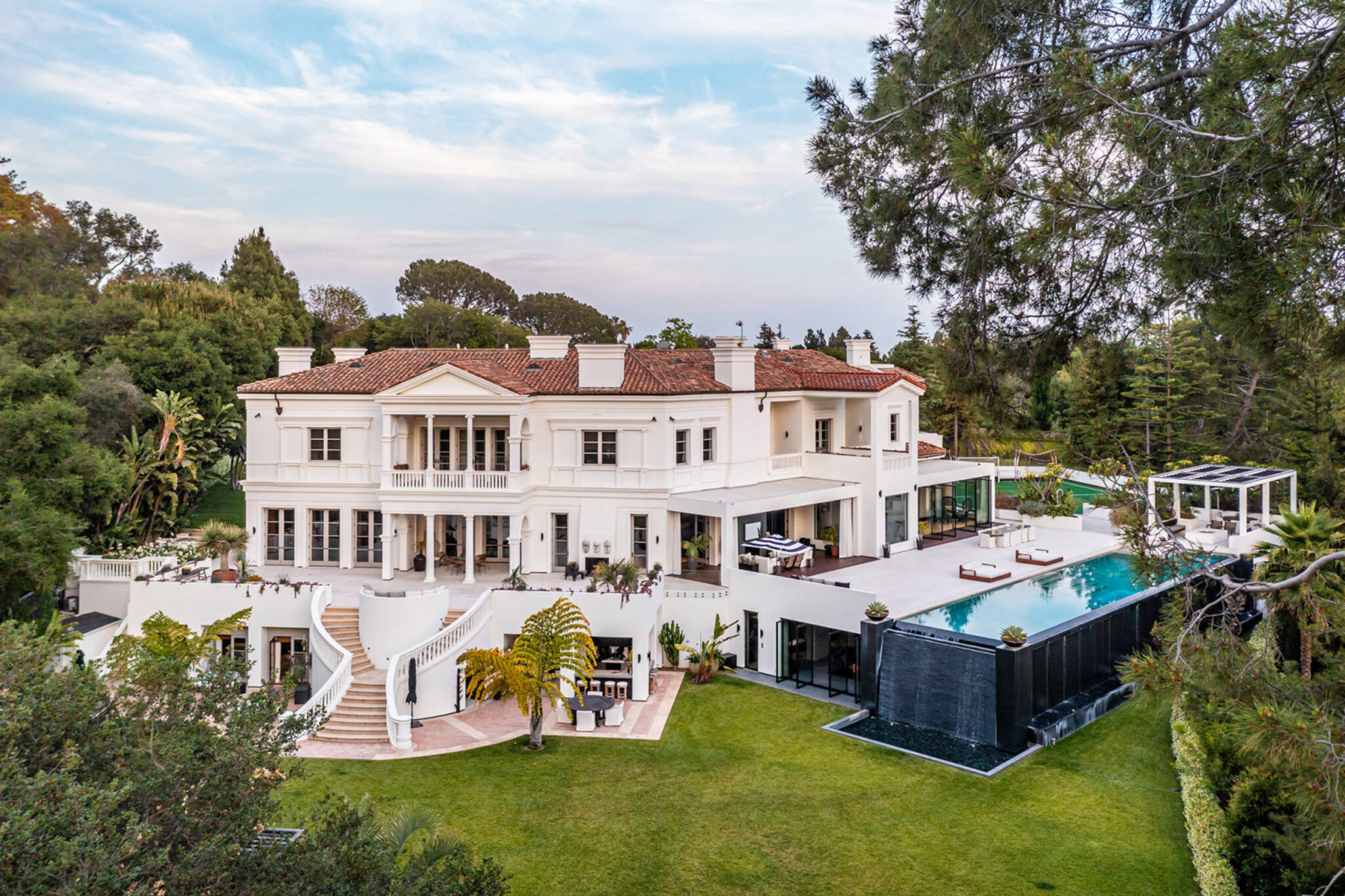 the weeknd mansion