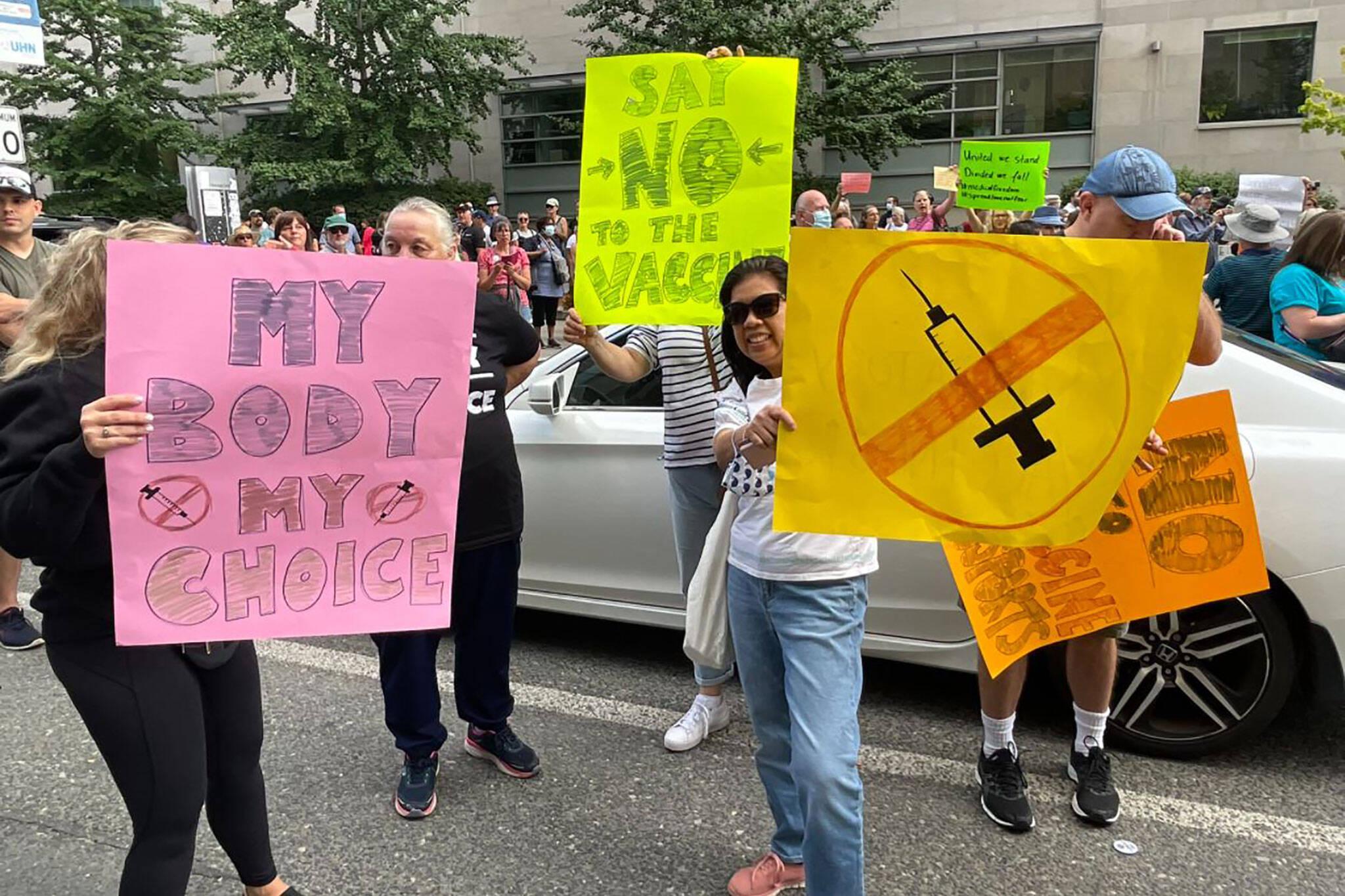 toronto lockdown protest