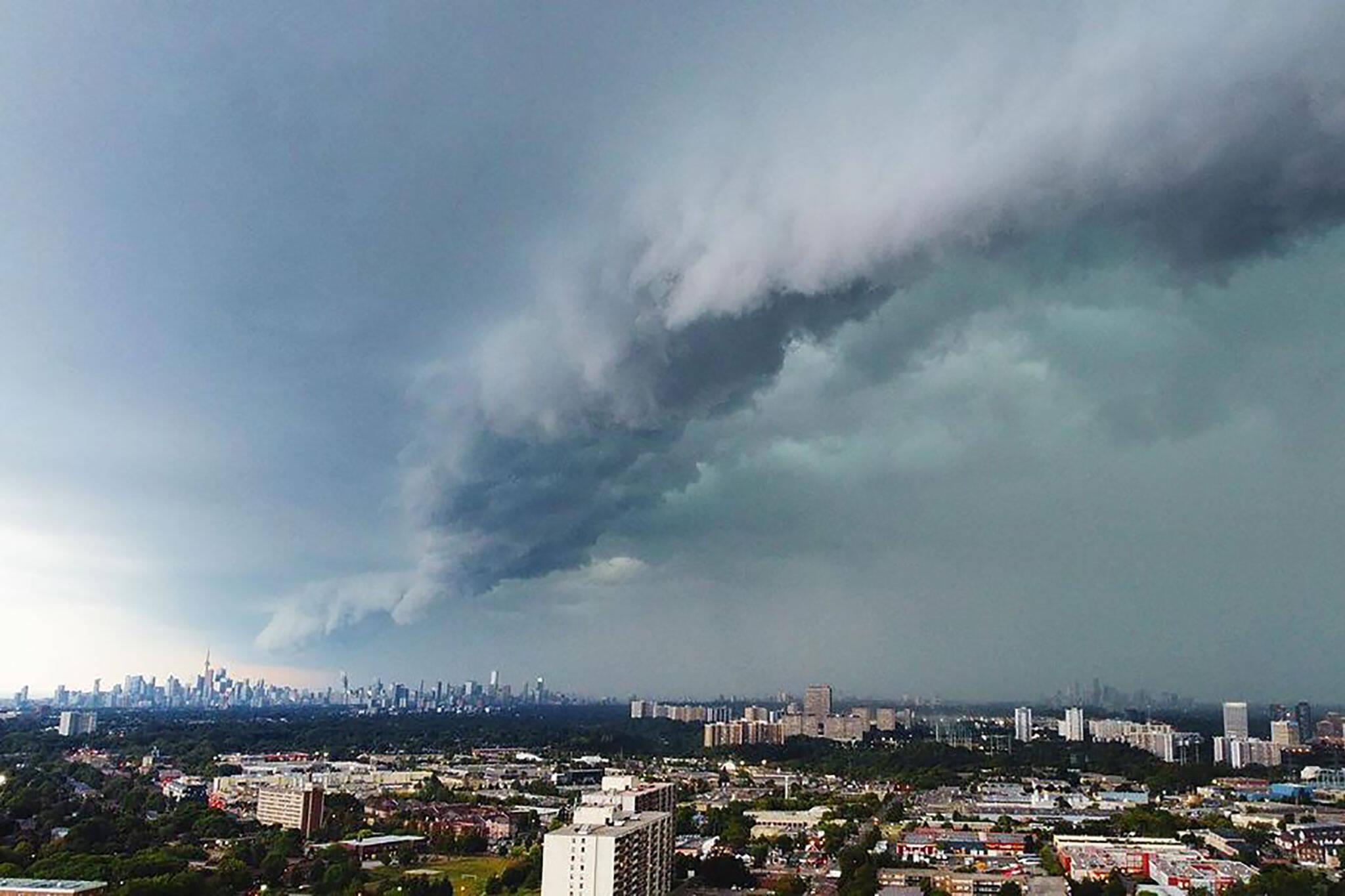 toronto storm last night warning