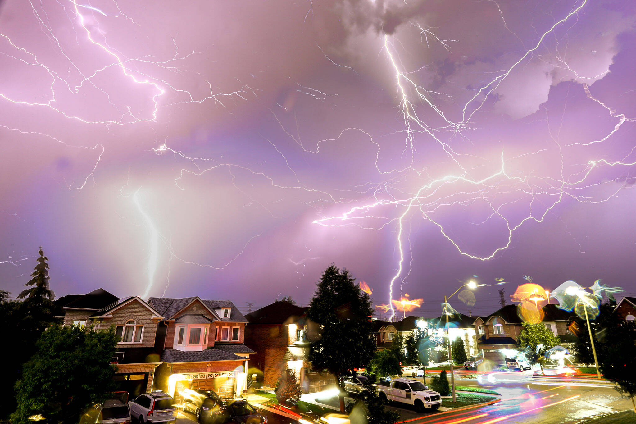 thunderstorm warning toronto