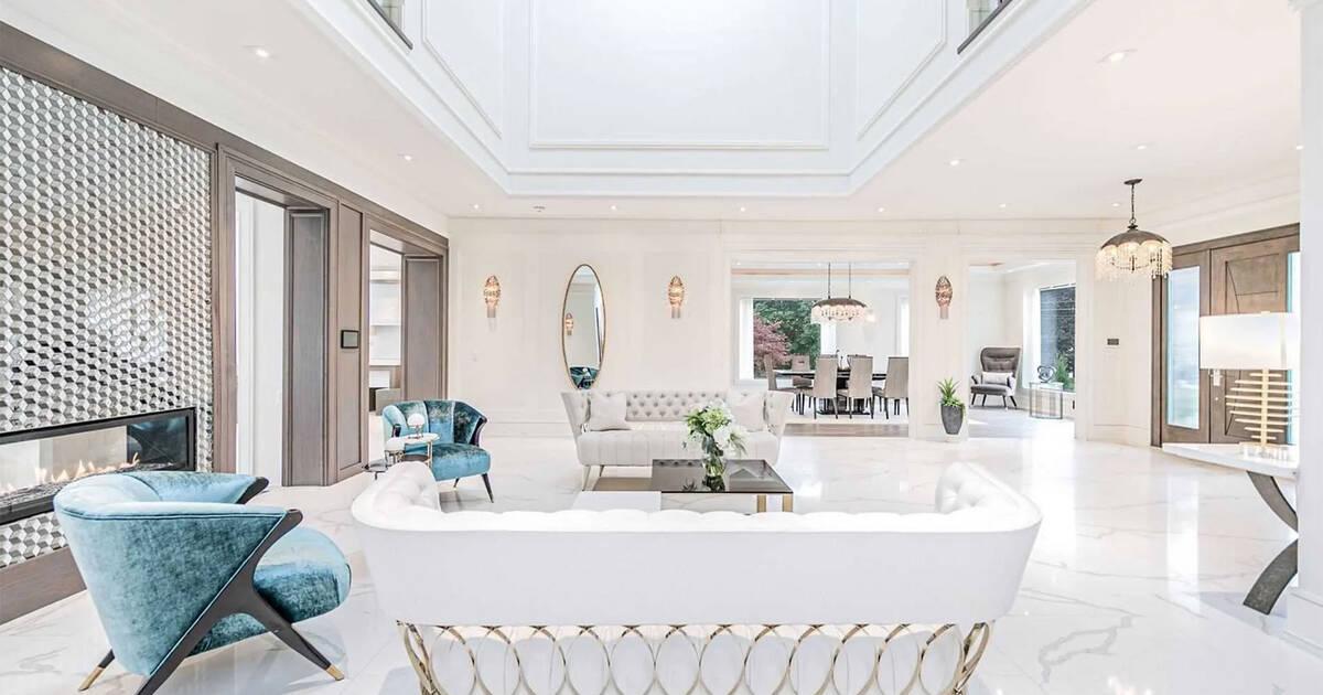 これはトロントの1400万ドルの邸宅がどのように見えるかです