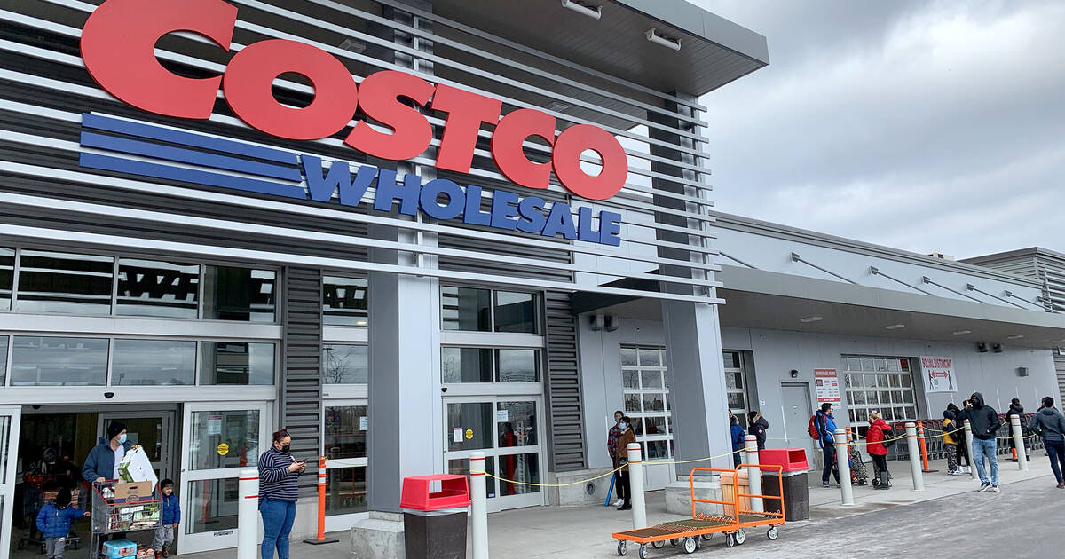 Shoppers crammed Toronto Costco stores on first weekend of stay-at-home order