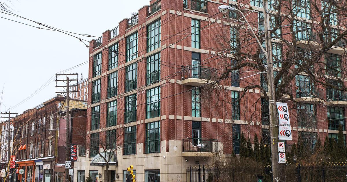 トロントの住宅の平均価格は100万ドル弱に達しました