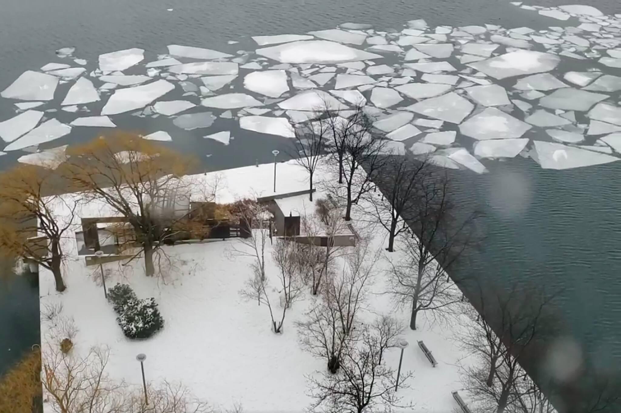 lake ice toronto