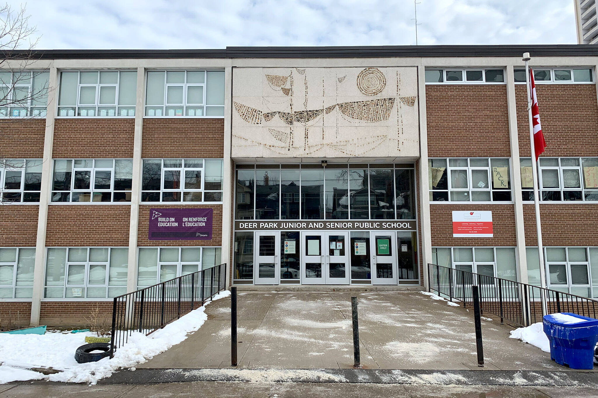 toronto schools closing