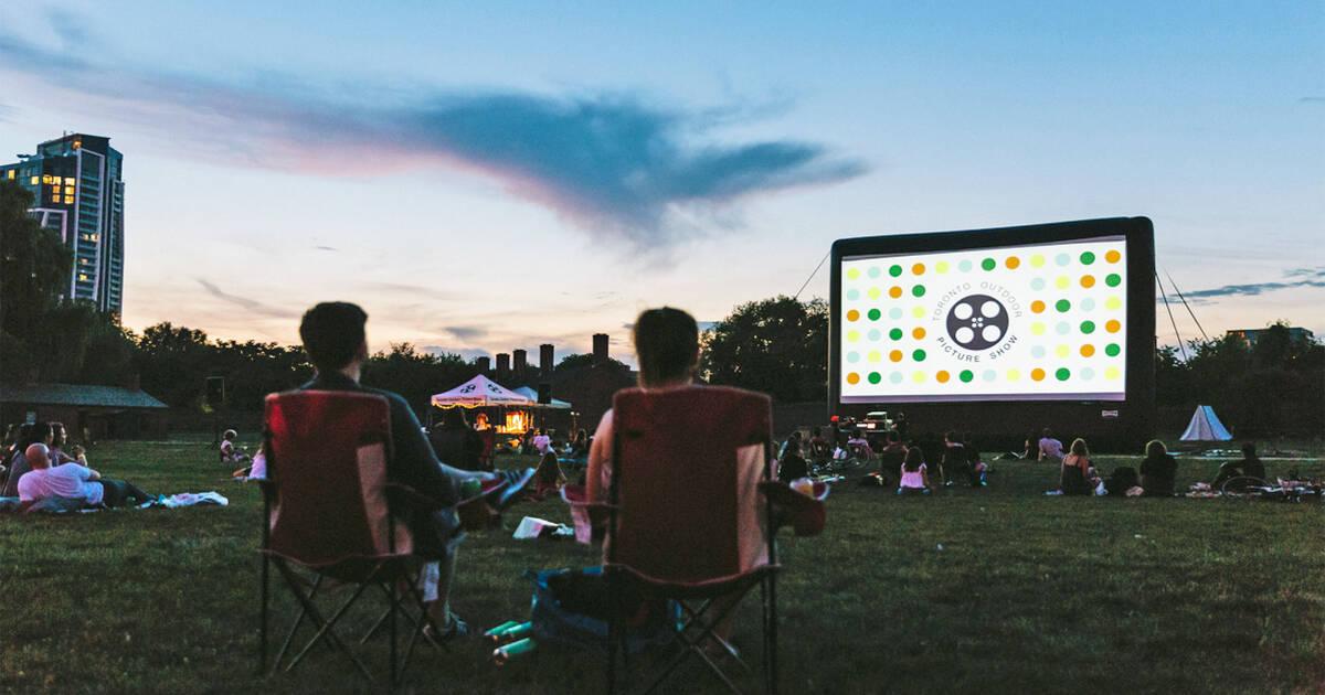 トロントは夏の最初の対面映画祭を迎えています、そしてそれは完全に無料です