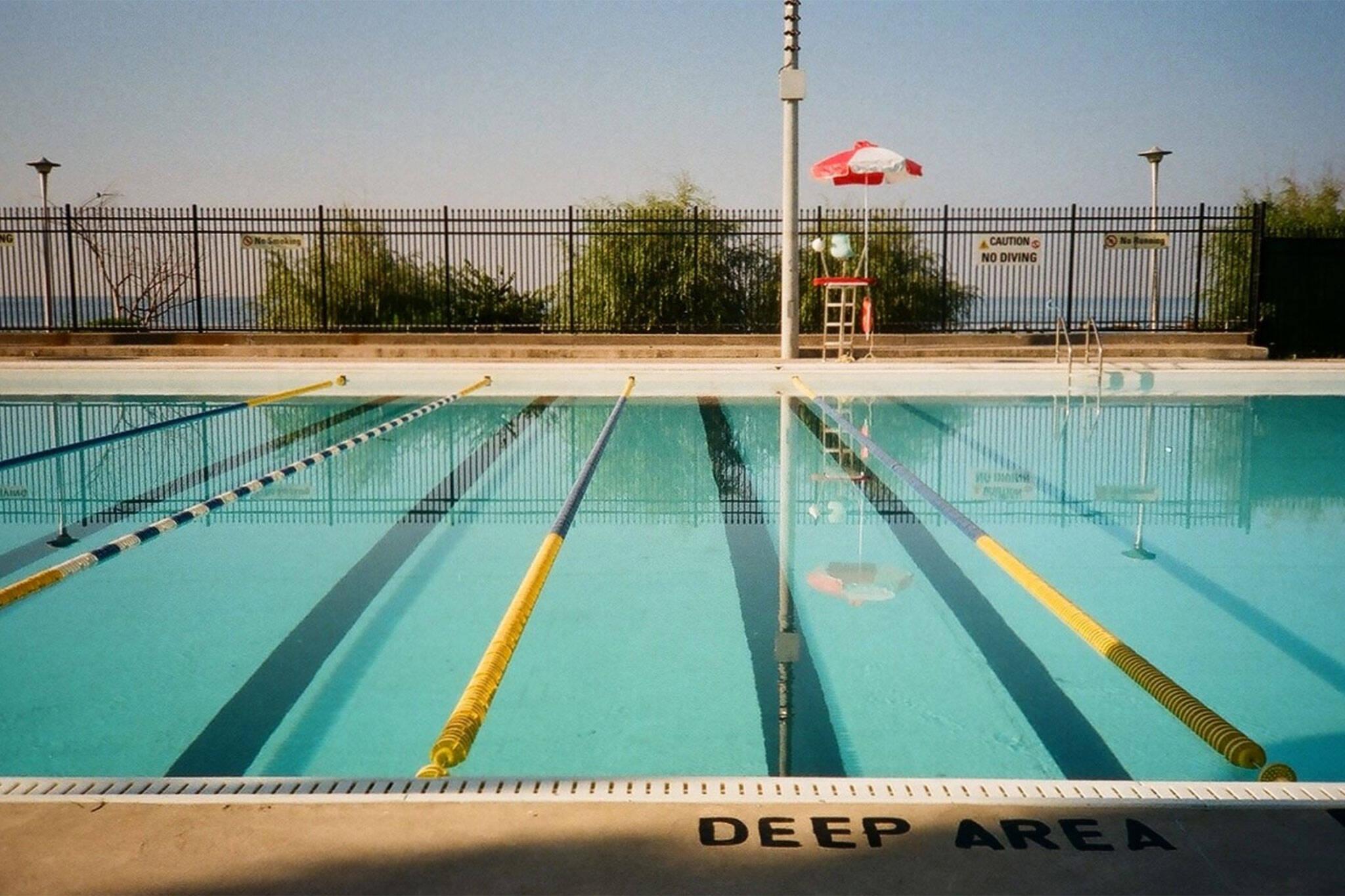 pools open toronto