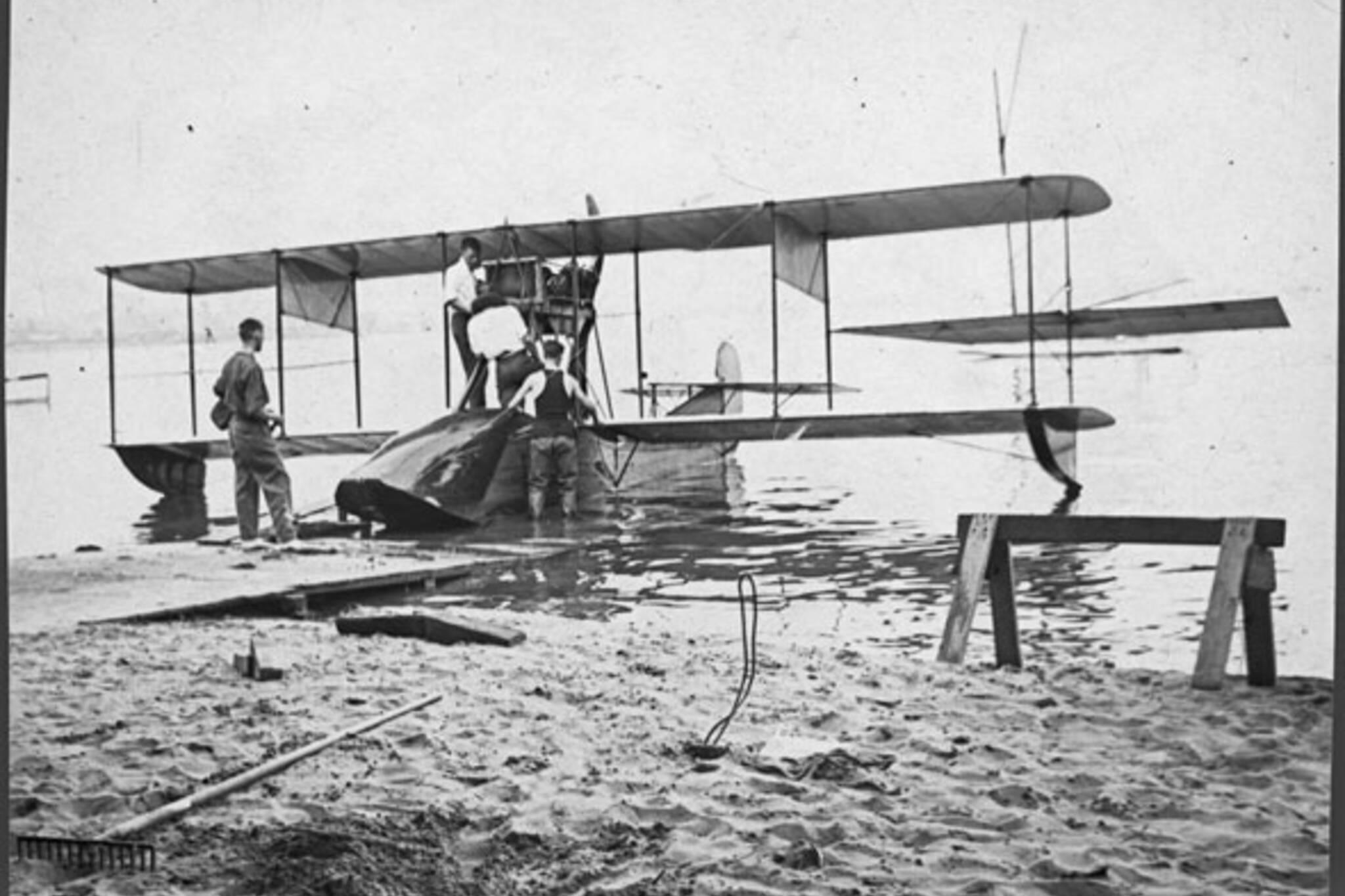 toronto sunfish aeroplane