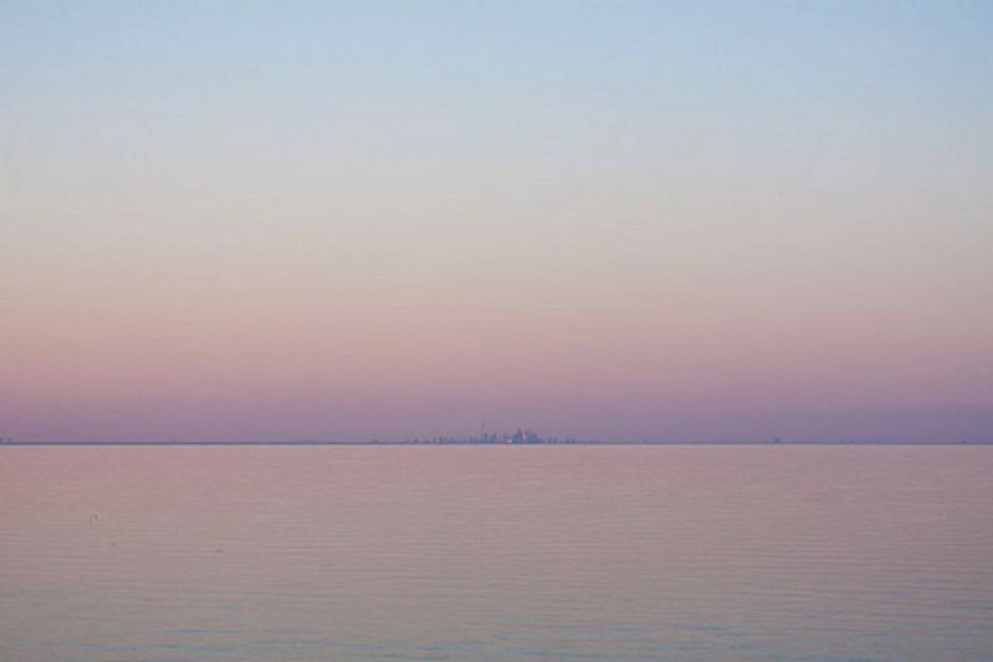 Toronto skyline lake