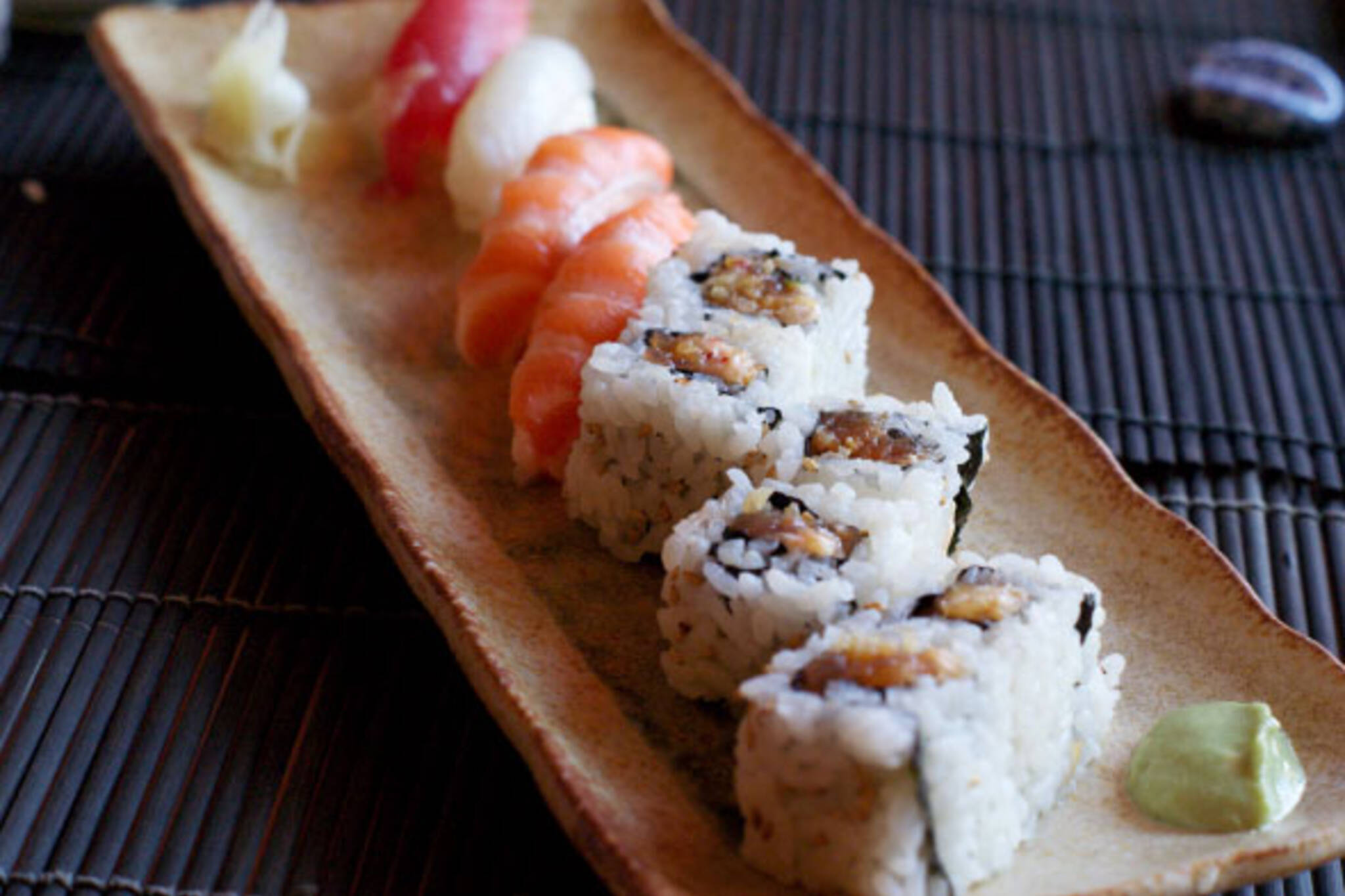 sushi yonge street