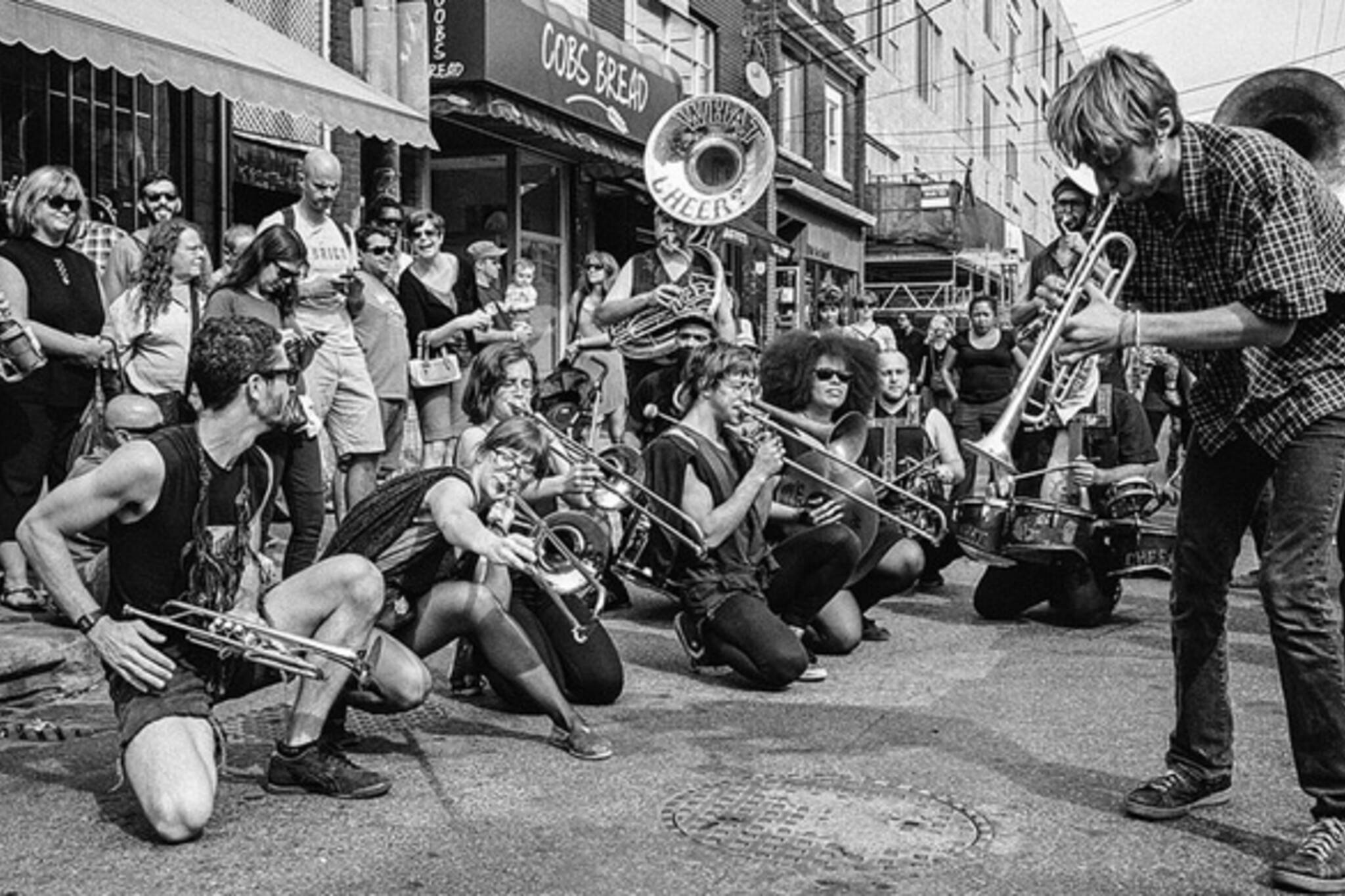 street performance toronto