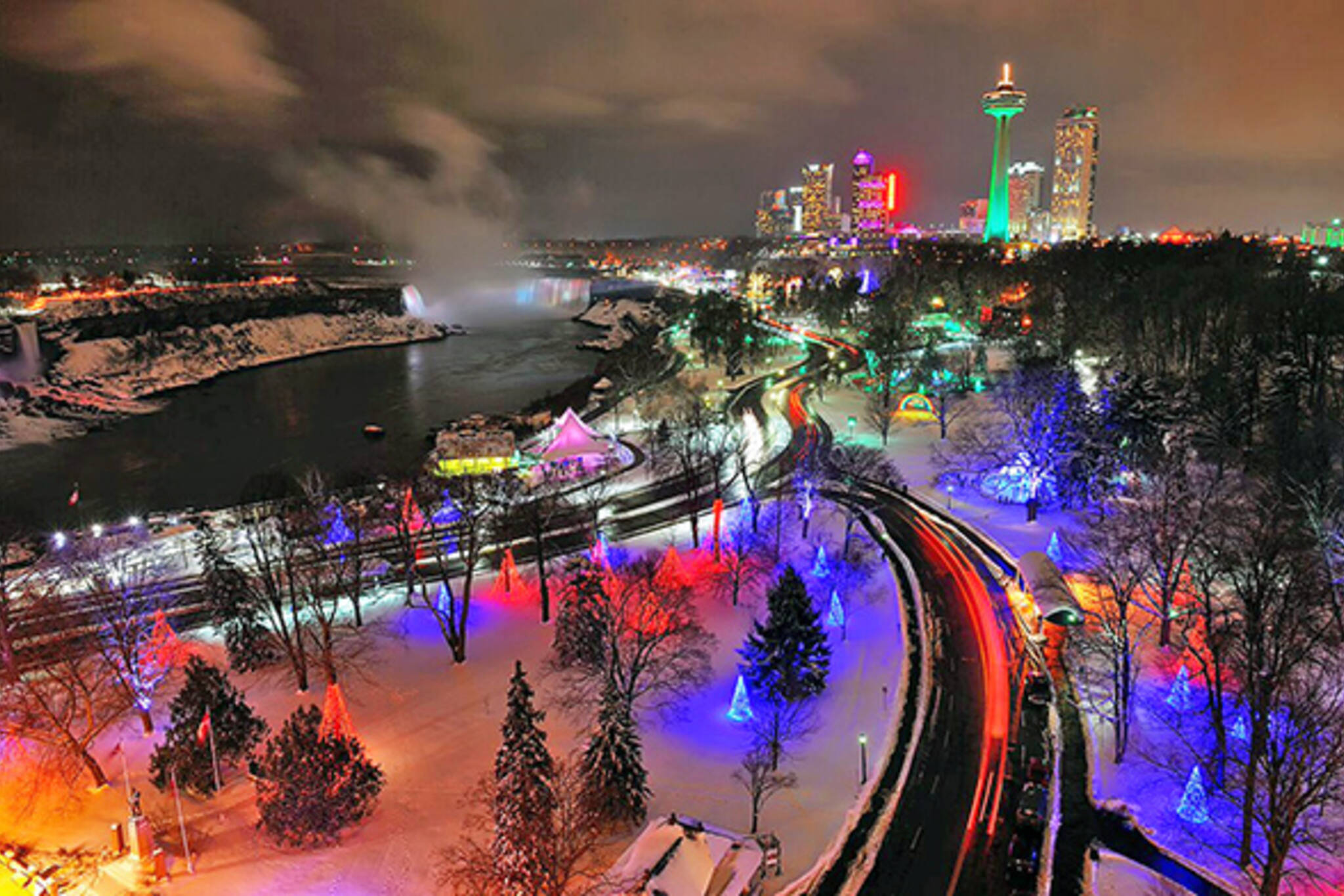 Epic holiday lights festival happening near Toronto