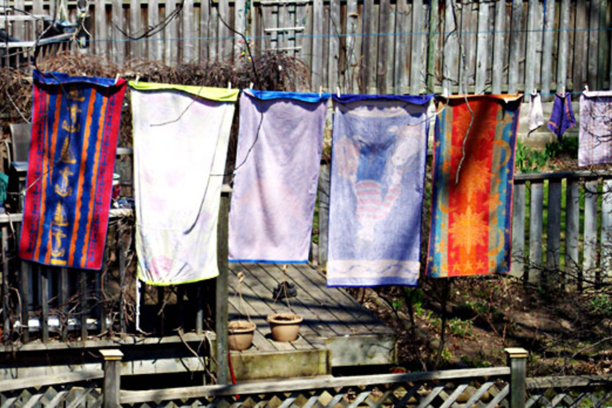 Clotheslines can no longer be banned in Ontario.