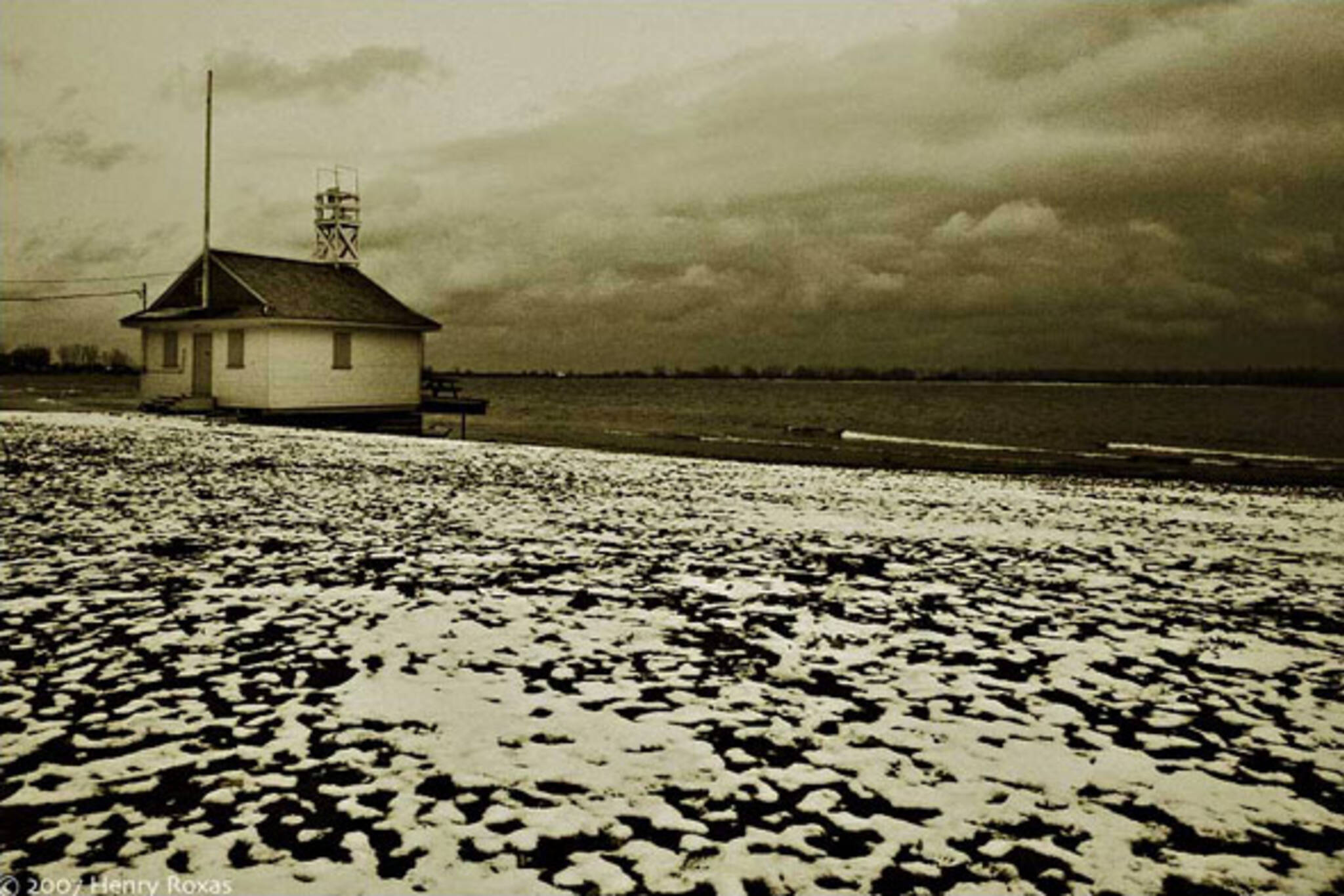 winter toronto beach