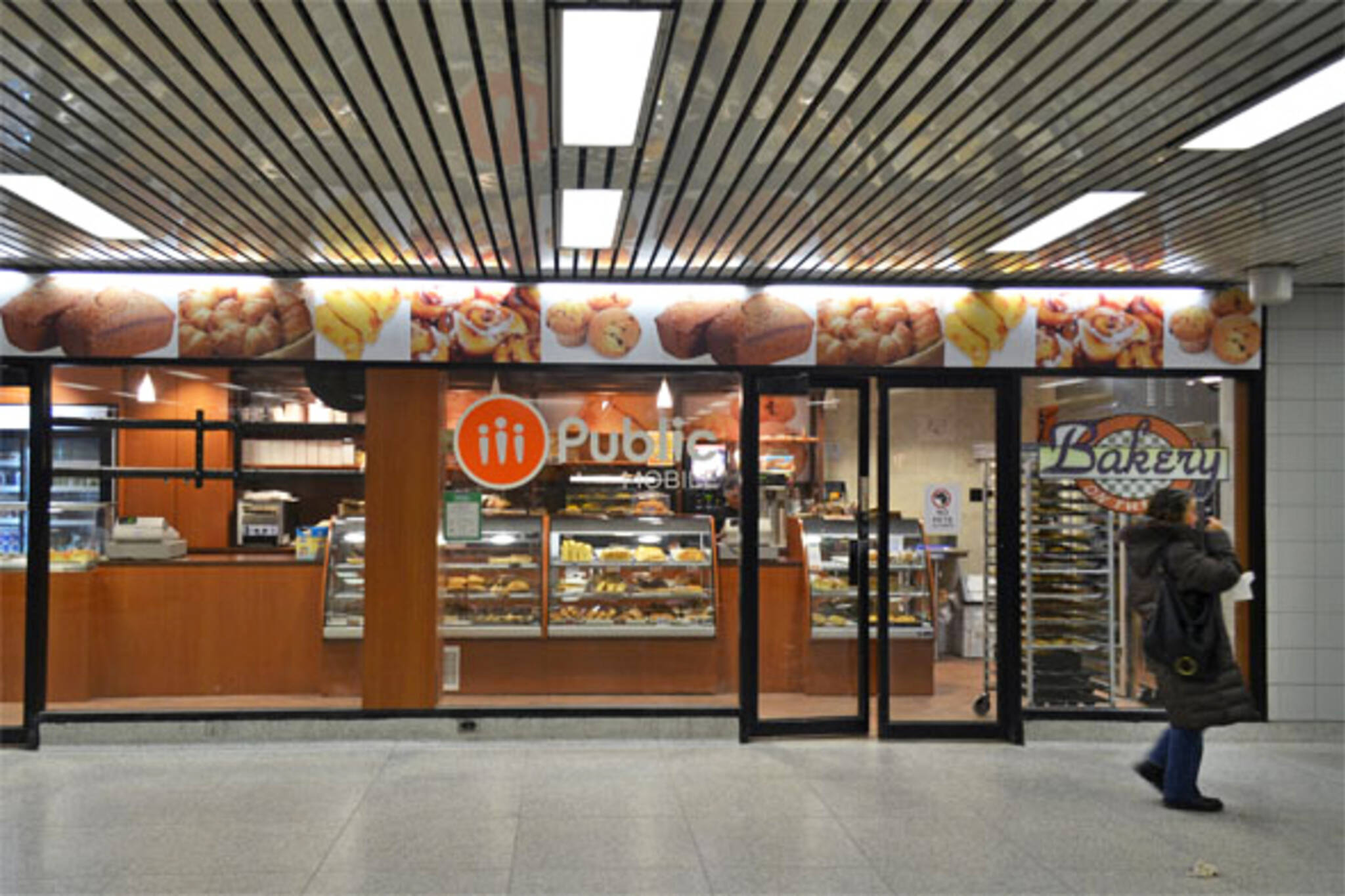 TTC station eats food