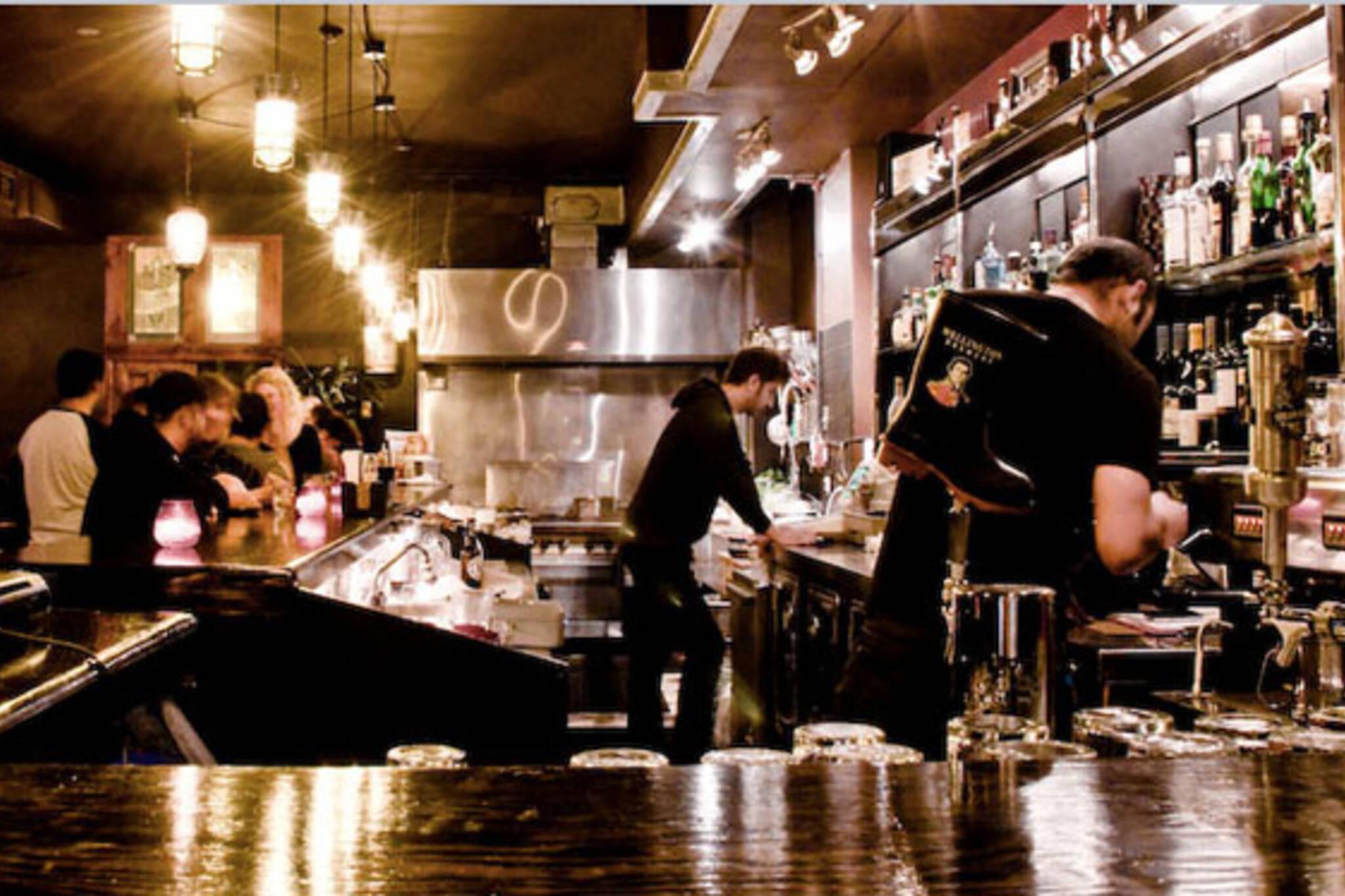 bars open late nxne