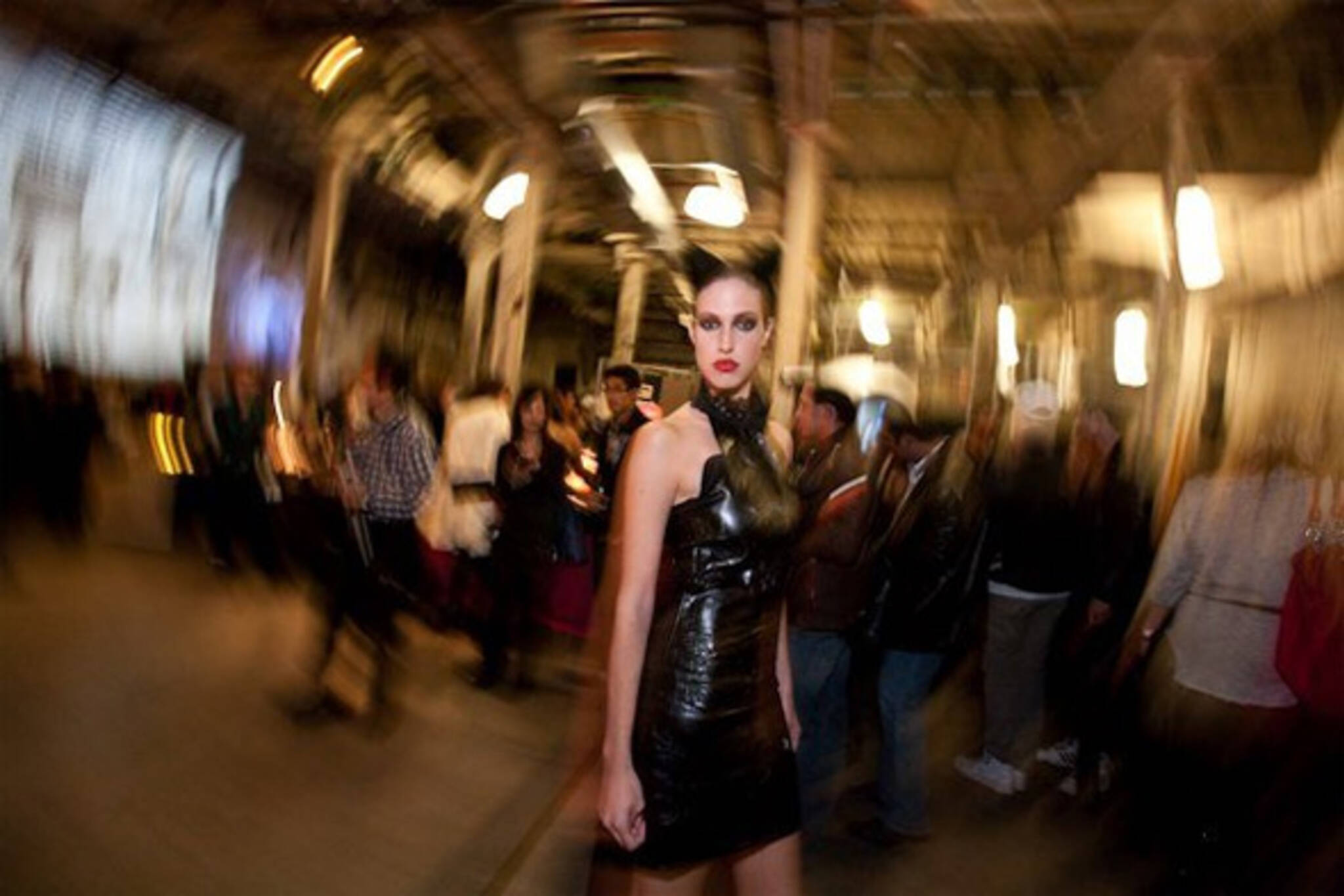 20091008-art-of-fashion-blur.jpg