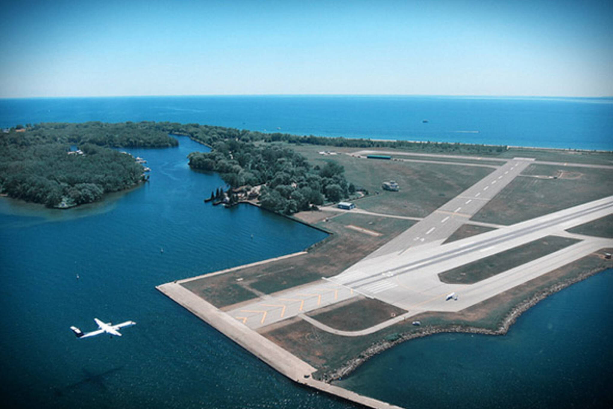 billy bishop airport