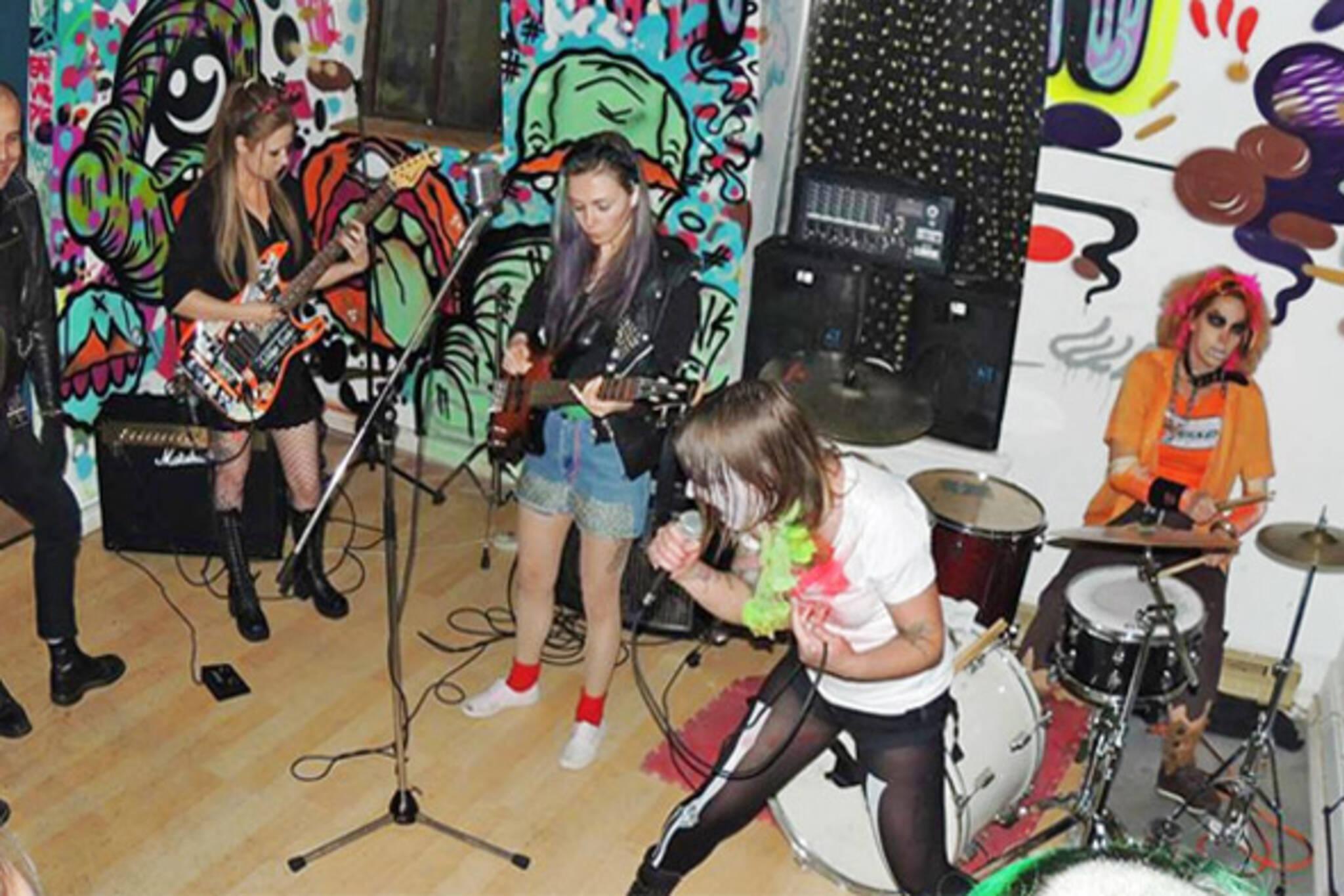Girls just wanna have punk